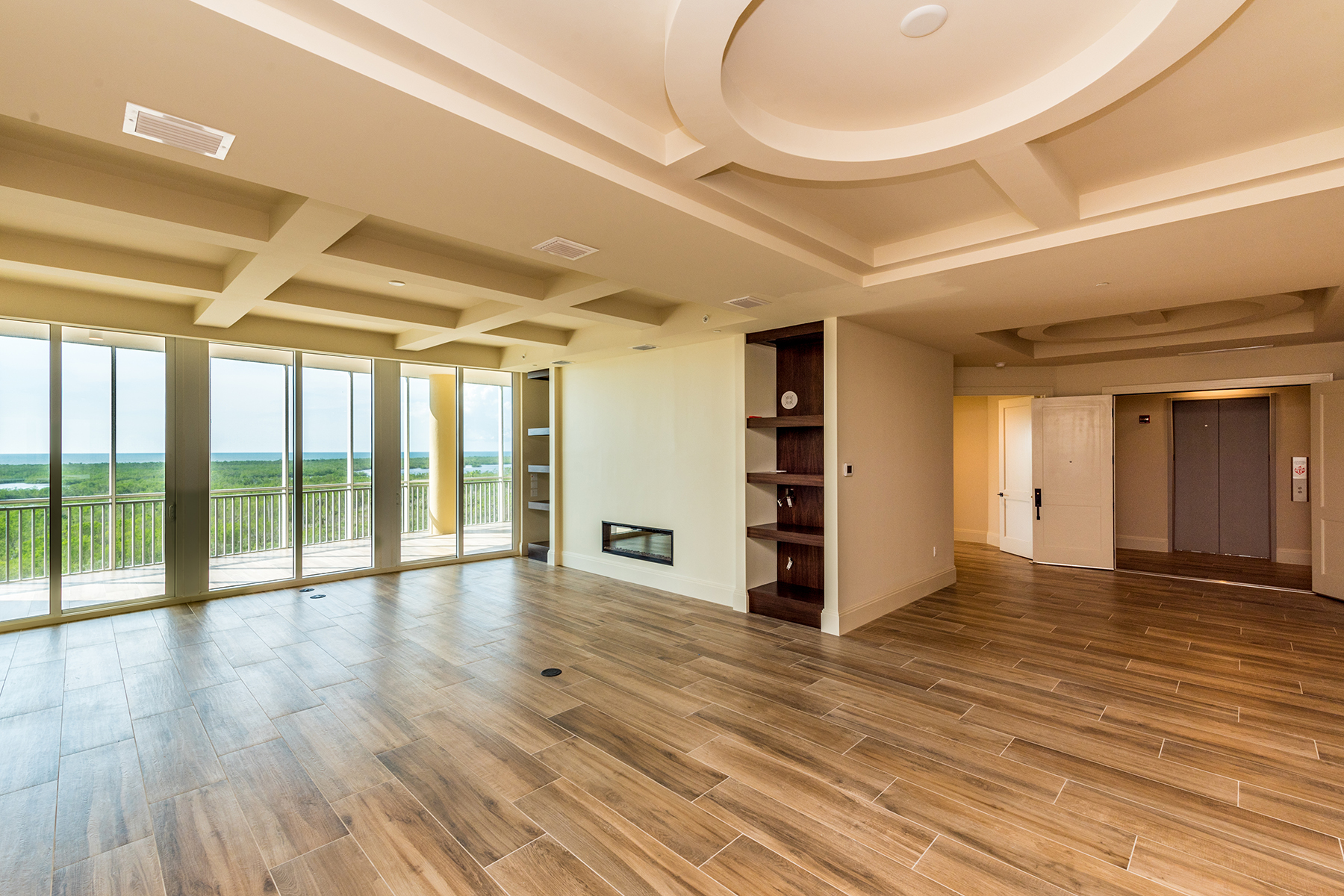 Additional photo for property listing at AQUA AT PELICAN ISLE 13665  Vanderbilt Dr 903,  Naples, Florida 34110 United States