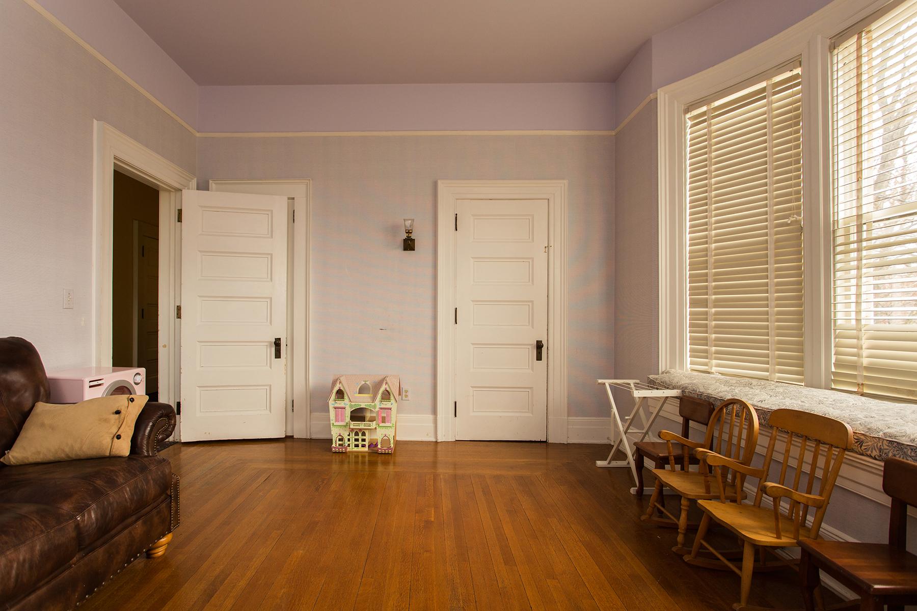Additional photo for property listing at Downtown Saratoga Victorian Mansion 115  Circular St 萨拉托贾斯普林斯, 纽约州 12866 美国