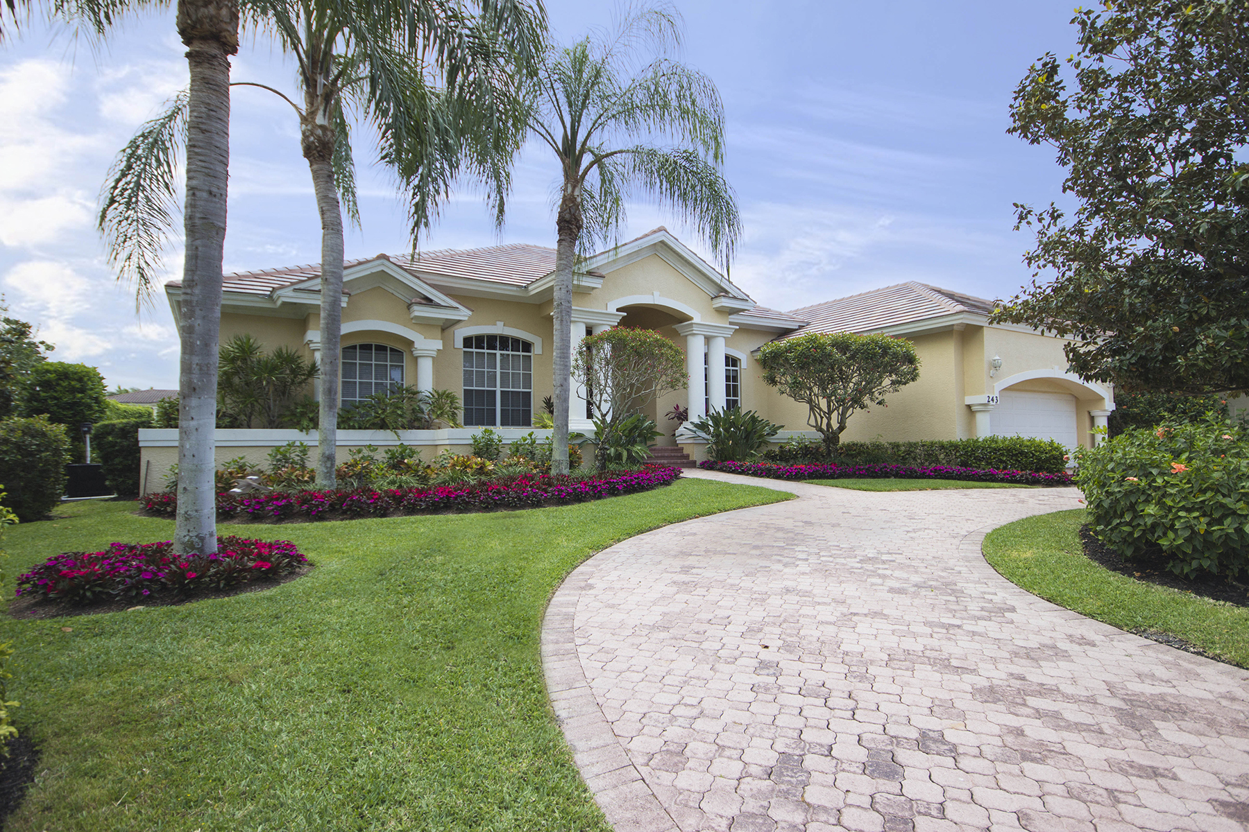 Single Family Home for Sale at Park Shore - Naples 243 Mermaids Bight, Naples, Florida 34103 United States