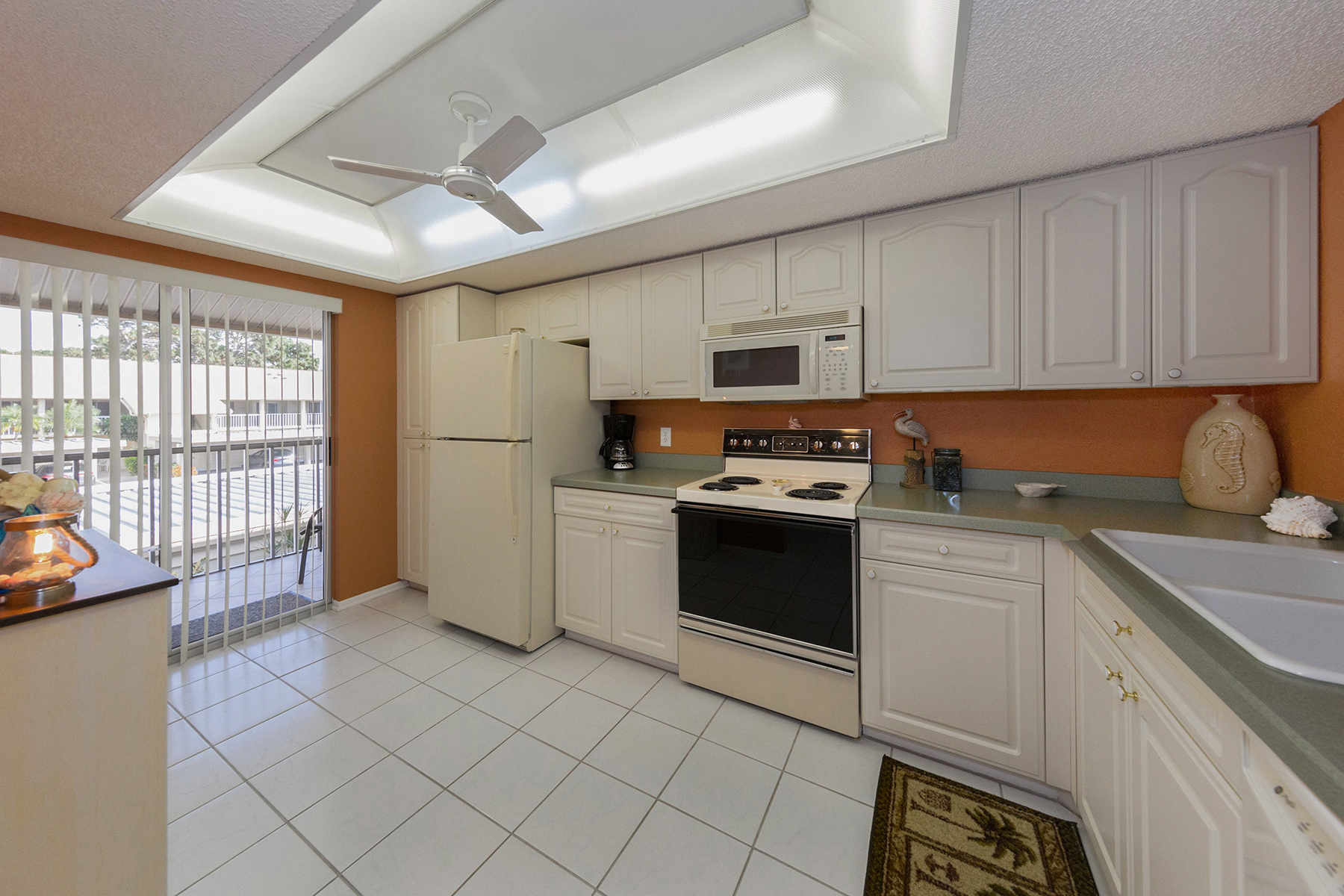Additional photo for property listing at PINEBROOK LAKE CLUB 1207  Pine Lake Dr 7,  Venice, Florida 34285 United States