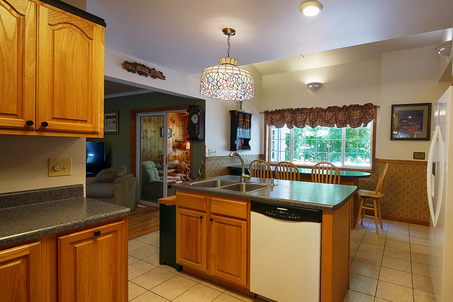 Additional photo for property listing at Lake George Contemporary 25  Scrimshaw Ln Lake George, New York 12845 United States