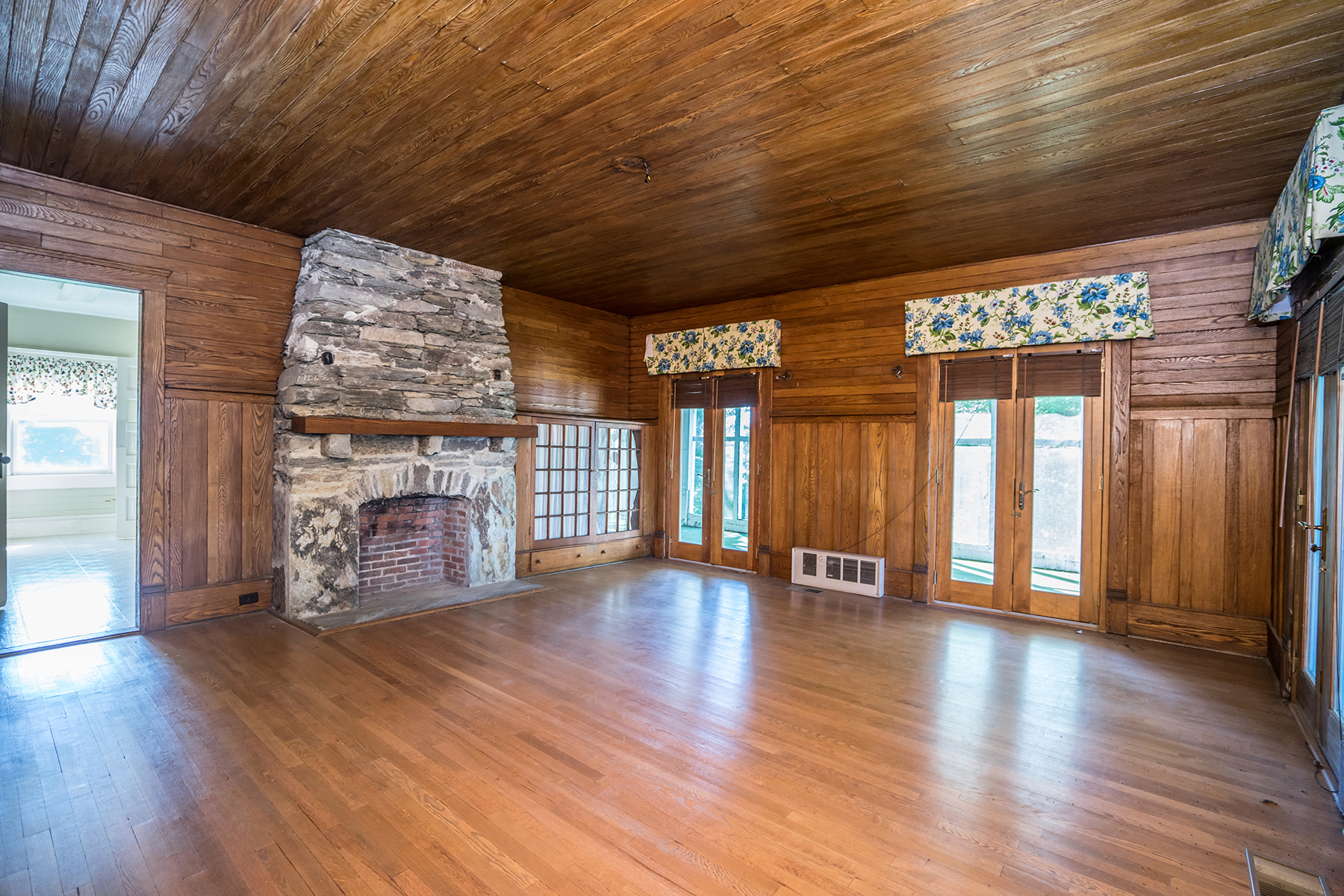 Additional photo for property listing at CENTURY OWNED PRIVATE FAMILY ESTATE 460/514  Pinnacle Ave,  Blowing Rock, North Carolina 28605 United States
