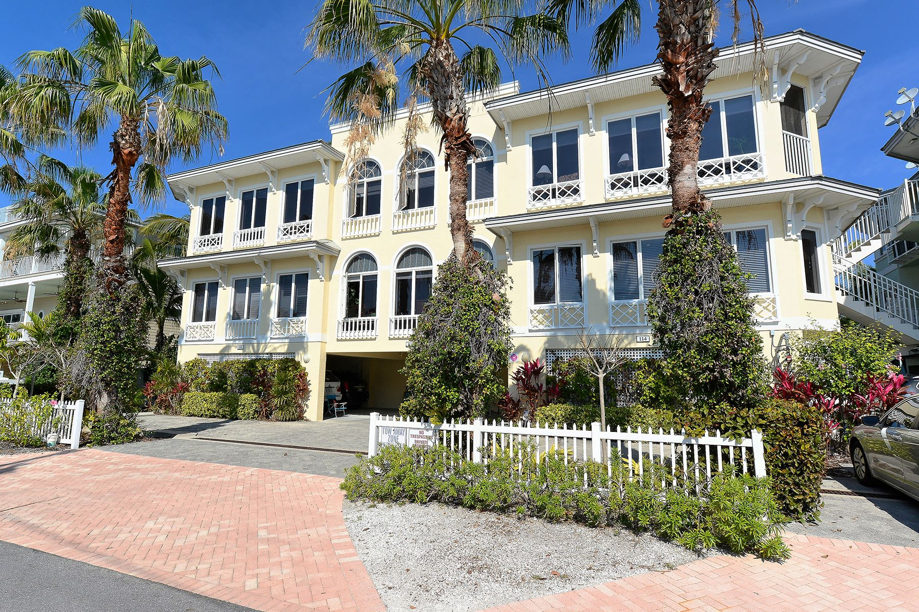 Casa unifamiliar adosada (Townhouse) por un Venta en OLD BRIDGE VILLAGE 114 4th St S Bradenton Beach, Florida, 34217 Estados Unidos