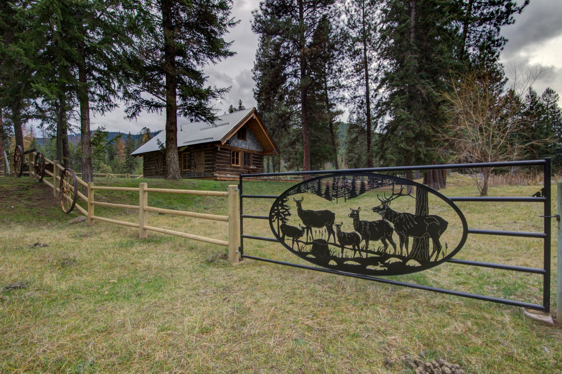 Additional photo for property listing at 625 Longhorn , Superior, MT 59872 625  Longhorn Superior, Montana 59872 United States