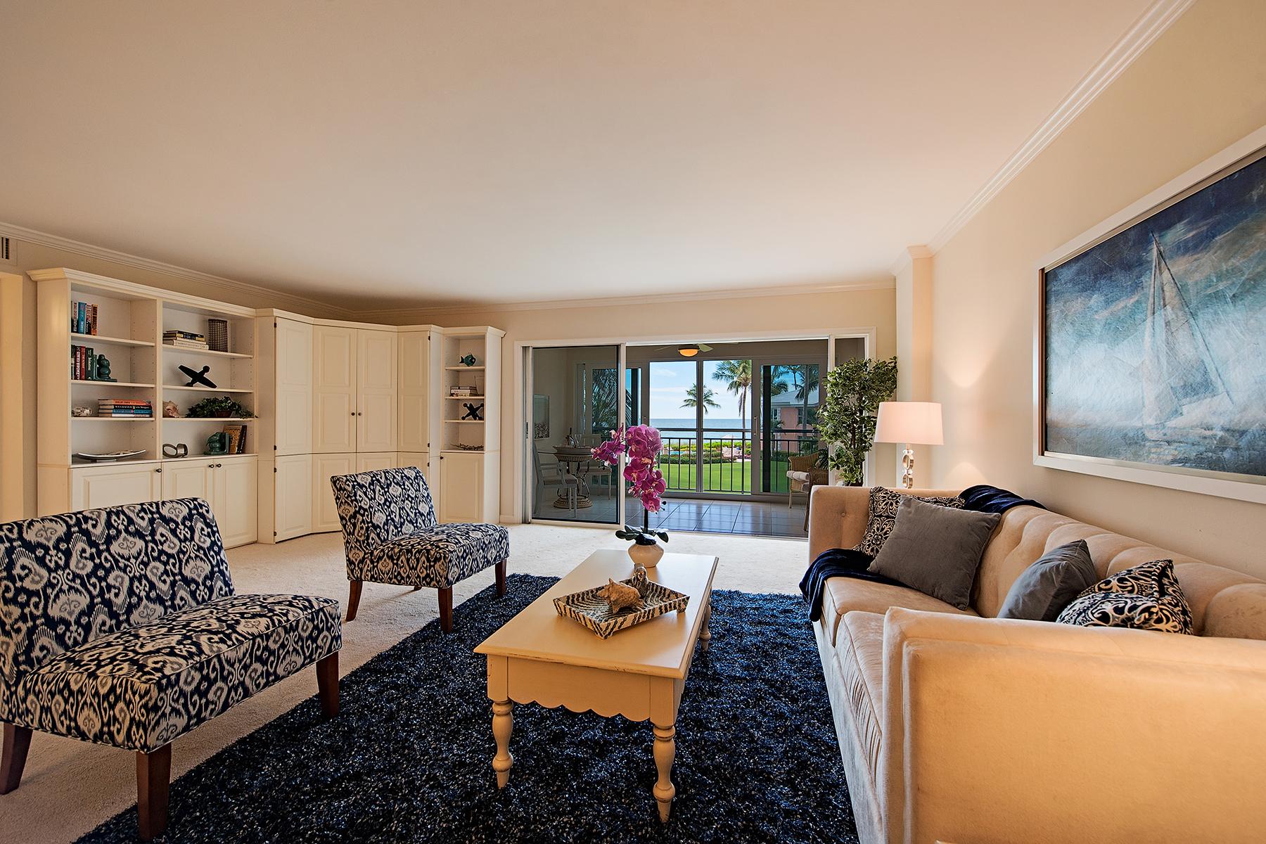 Kat Mülkiyeti için Satış at MOORINGS - SHORES OF NAPLES 2401 Gulf Shore Blvd N 21 Naples, Florida, 34103 Amerika Birleşik Devletleri