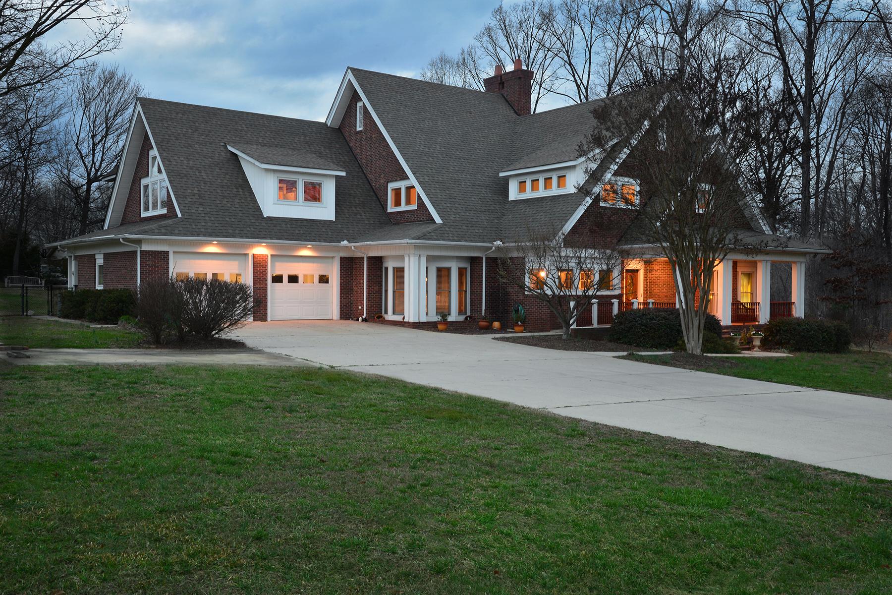 Casa para uma família para Venda às ASHLEY HEIGHTS 1900 Arbor Way Albemarle, Carolina Do Norte, 28001 Estados Unidos