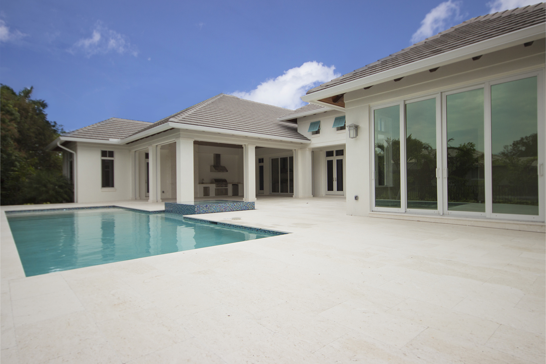 Additional photo for property listing at MOORINGS 3156  Crayton Rd,  Naples, Florida 34103 United States