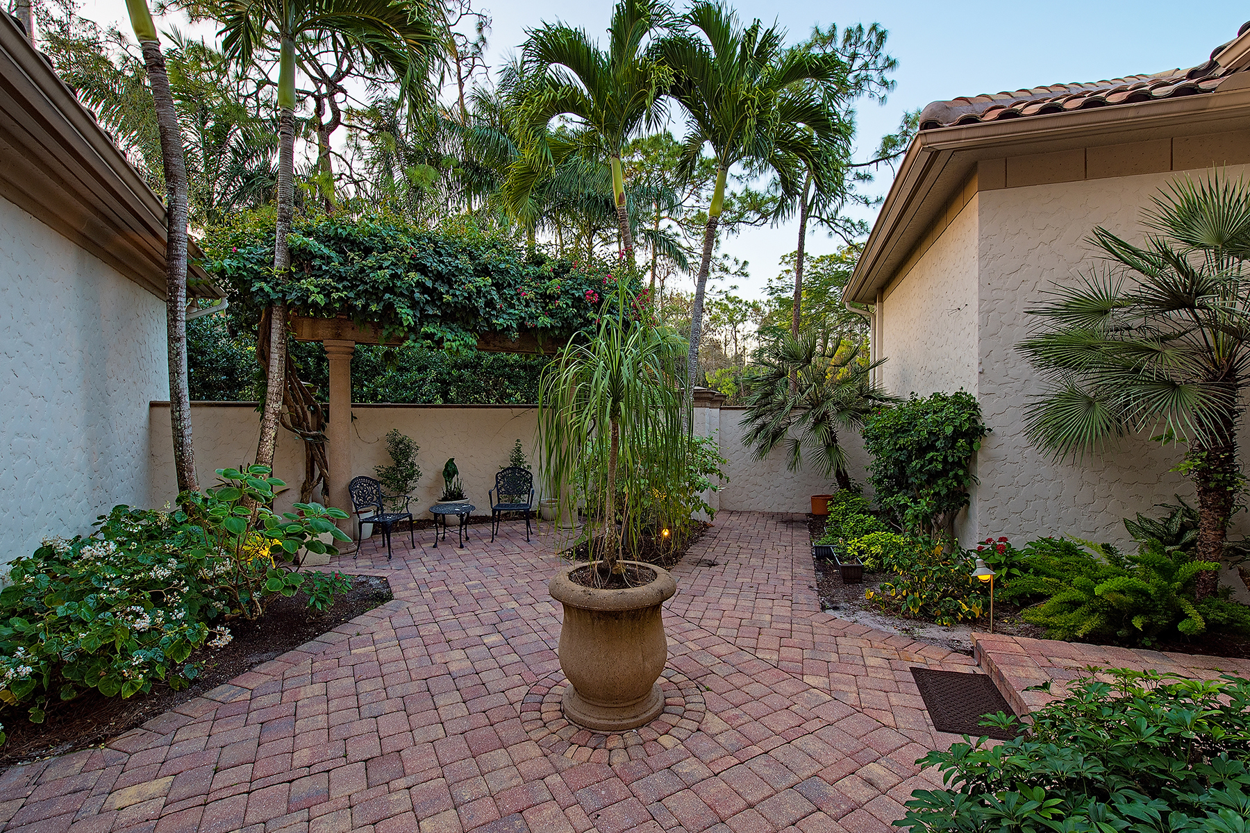 Additional photo for property listing at QUAIL WEST - QUAIL WEST 6529  Highcroft Dr,  Naples, Florida 34119 United States