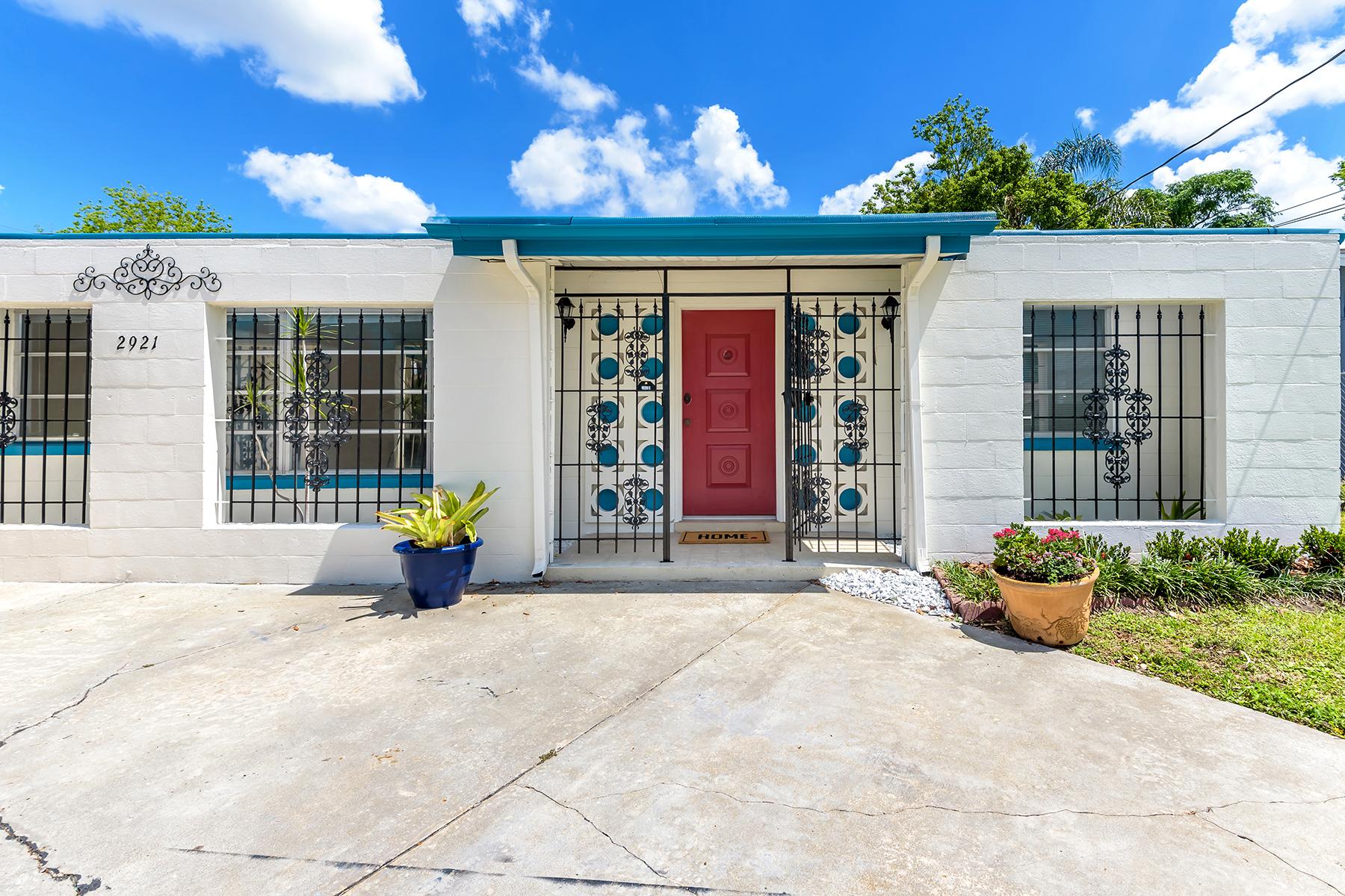 Single Family Home for Sale at ORLANDO 2921 Tradewinds Trl, Orlando, Florida 32805 United States