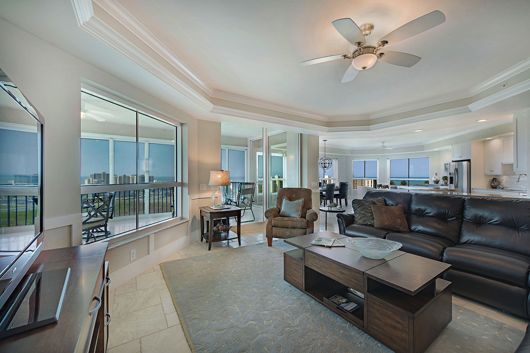 Condominio por un Venta en The Dunes - Grand Dominica 295 Grande Way 1101 Naples, Florida, 34110 Estados Unidos