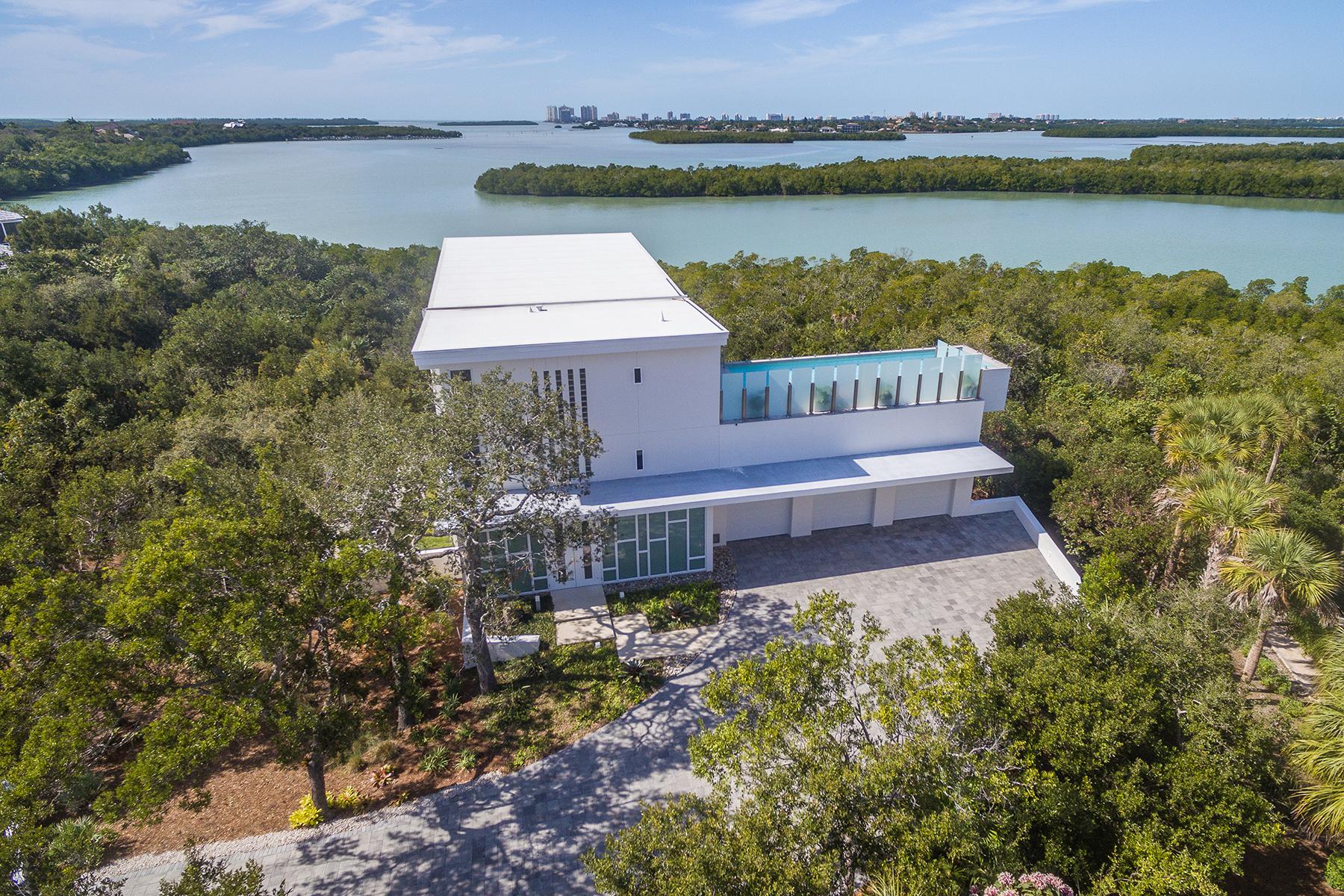 Частный односемейный дом для того Продажа на KEY MARCO 1143 Blue Hill Creek Dr Marco Island, Флорида, 34145 Соединенные Штаты