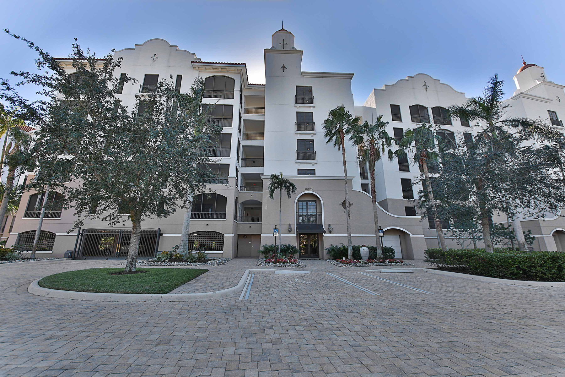 Condominium for Sale at MIROMAR LAKES - MIRASOL 10723 Mirasol Dr 607, Miromar Lakes, Florida 33913 United States