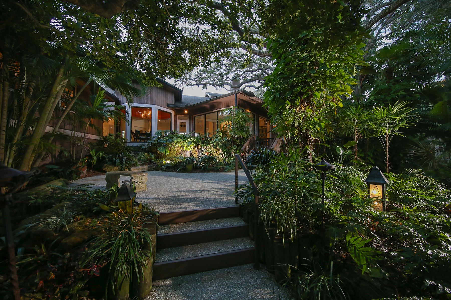 Nhà ở một gia đình vì Bán tại SIESTA KEY 4401 Midnight Pass Rd Sarasota, Florida, 34242 Hoa Kỳ