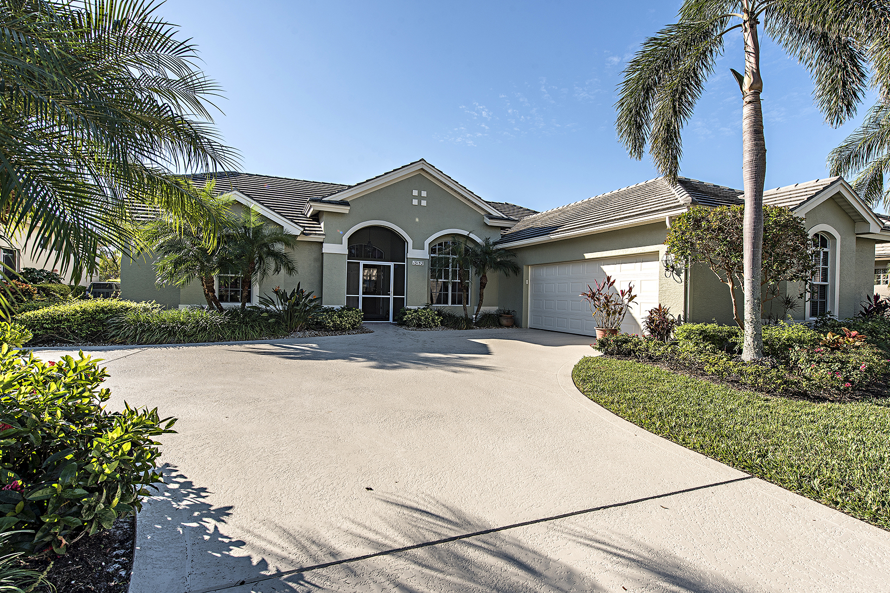 Single Family Home for Sale at WORTHINGTON 13152 Bridgeford Ave, Bonita Springs, Florida, 34135 United States