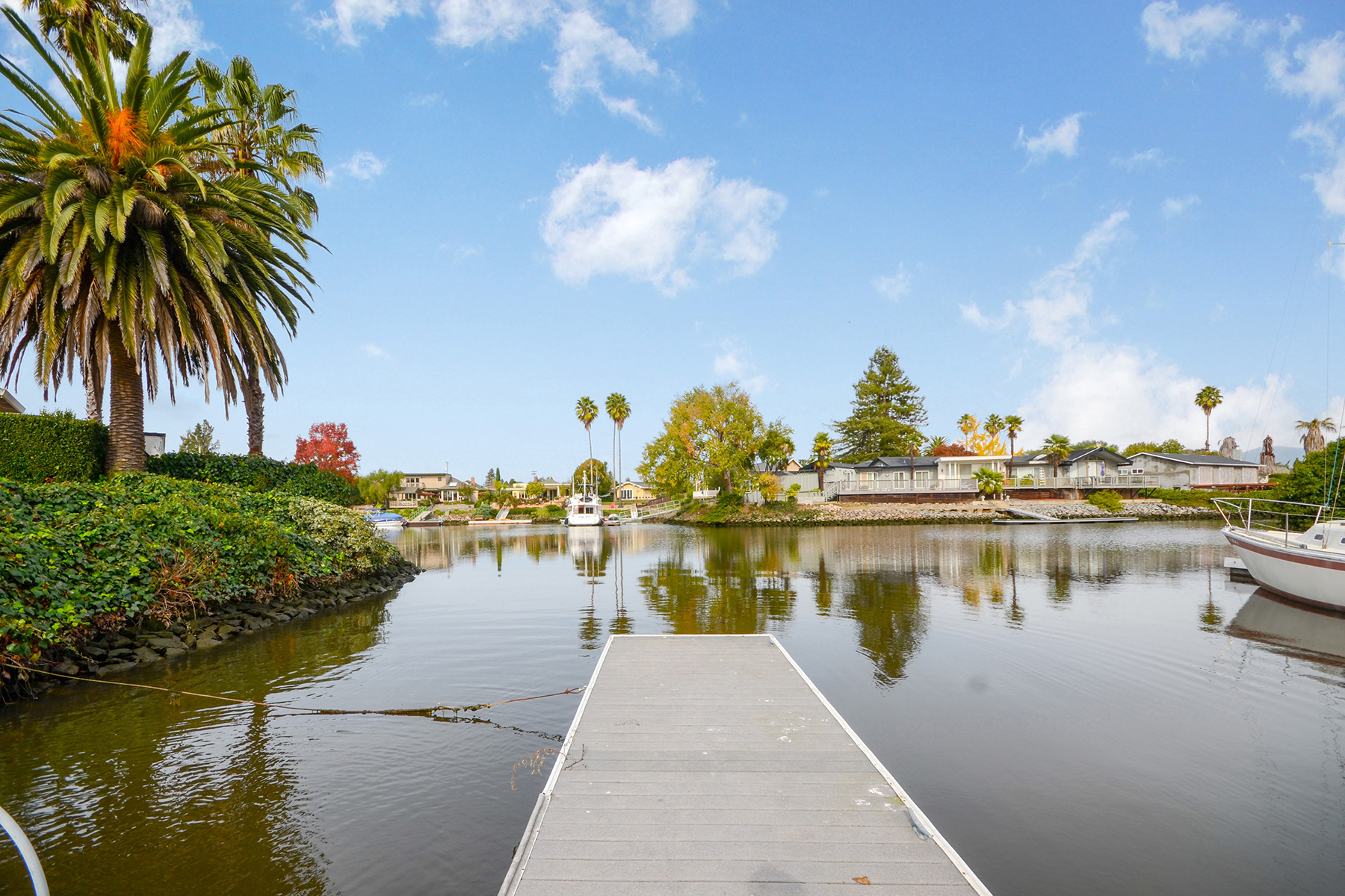 Single Family Home for Sale at A Captivating Riverfront Home 770 Kearney Way Napa, California 94559 United States