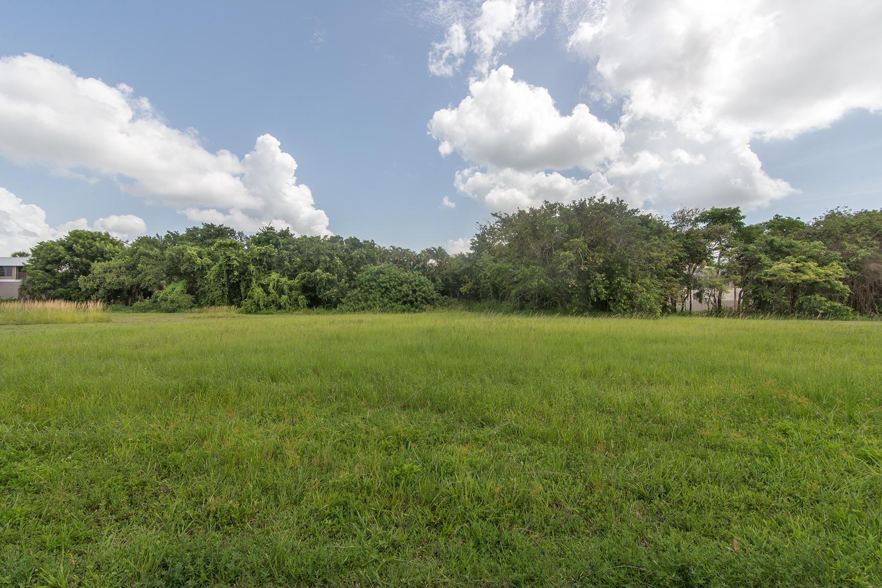 Terrain pour l Vente à MARCO ISLAND - S BARFIELD DR 571 S Barfield Dr Marco Island, Florida, 34145 États-Unis