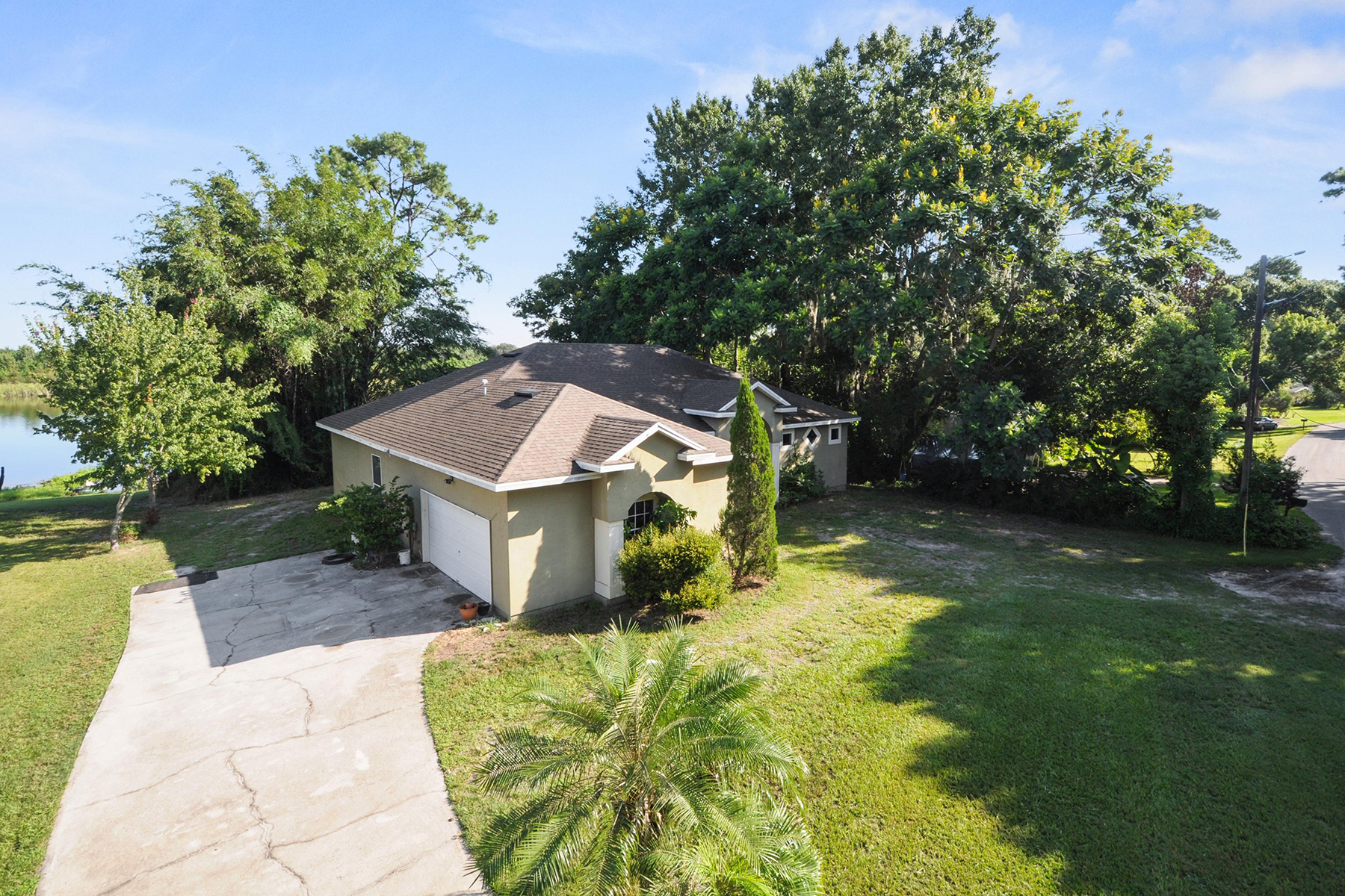 Single Family Home for Sale at GOTHA,FLORIDA 2024 Twin Lake Dr Gotha, Florida, 34734 United States