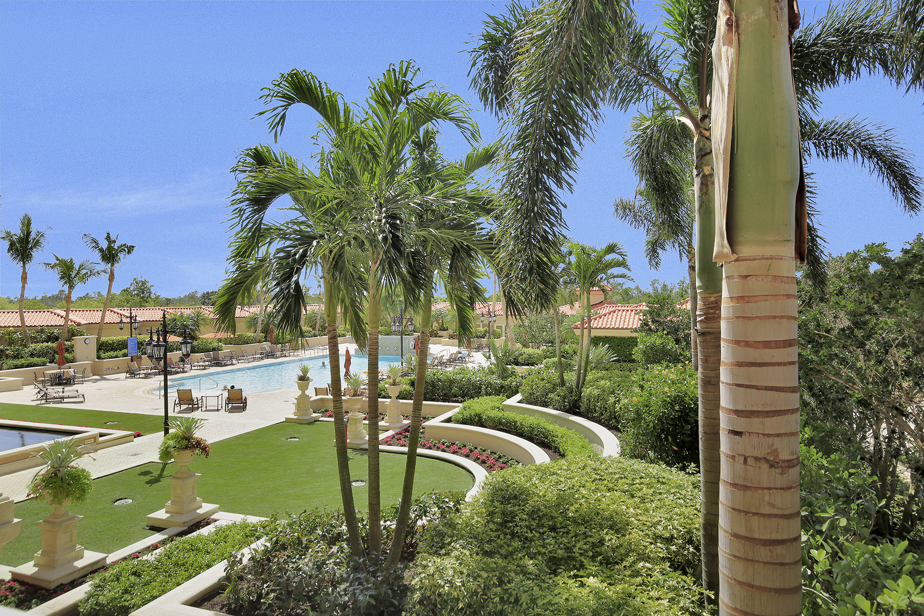Additional photo for property listing at PELICAN BAY - CAP FERRAT 6597  Nicholas Blvd 305,  Naples, Florida 34108 United States