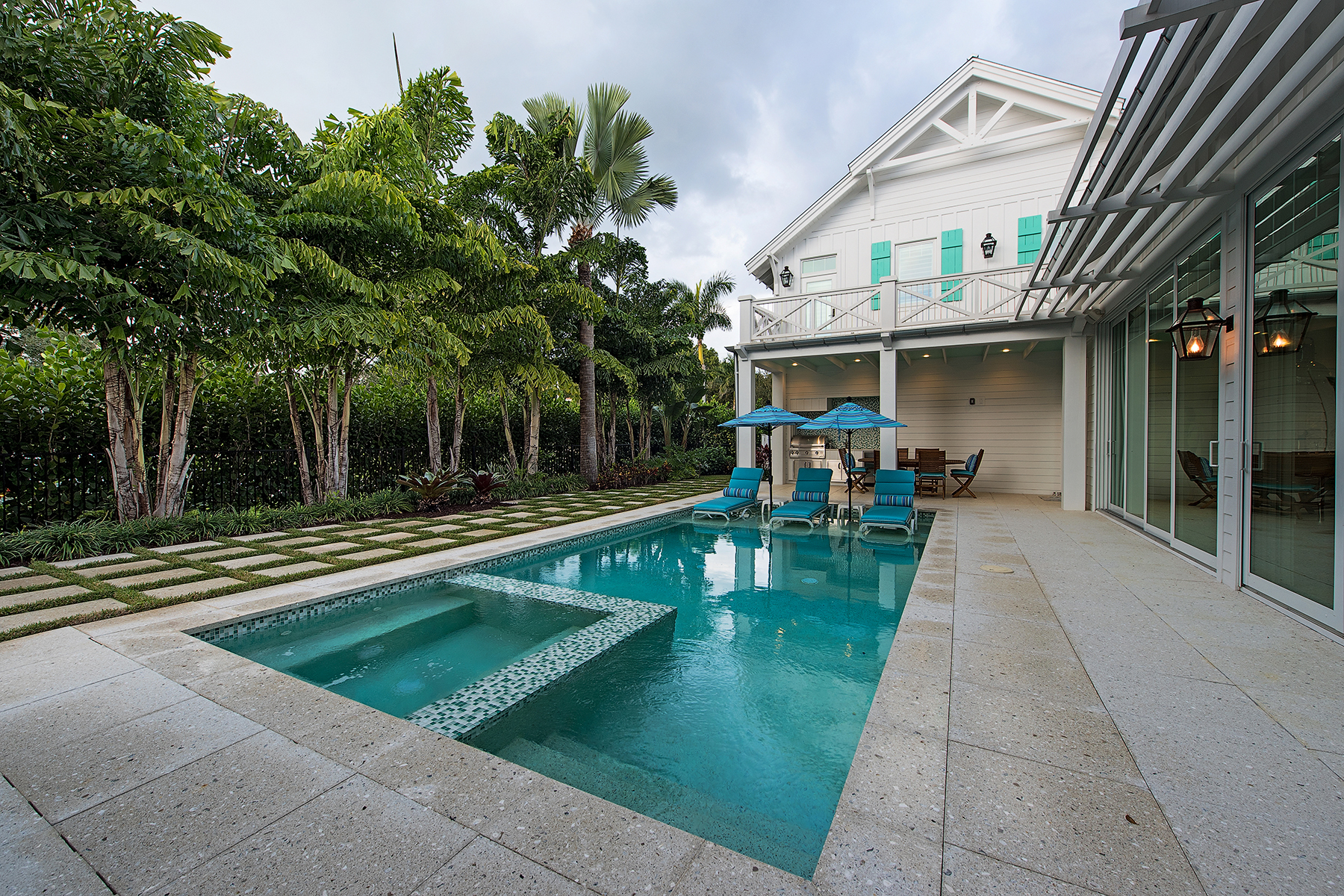 Additional photo for property listing at OLD NAPLES 409  1st Ave  N,  Naples, Florida 34102 United States