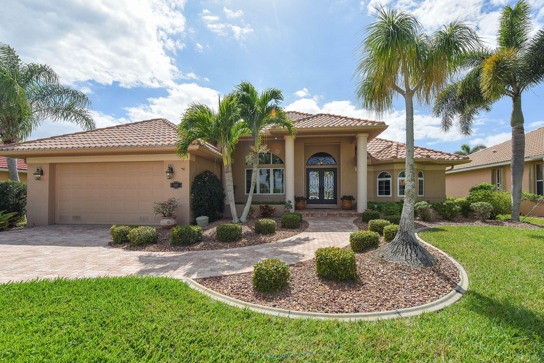 Частный односемейный дом для того Продажа на BURNT STORE ISLES 668 Monaco Dr Punta Gorda, Флорида, 33950 Соединенные Штаты