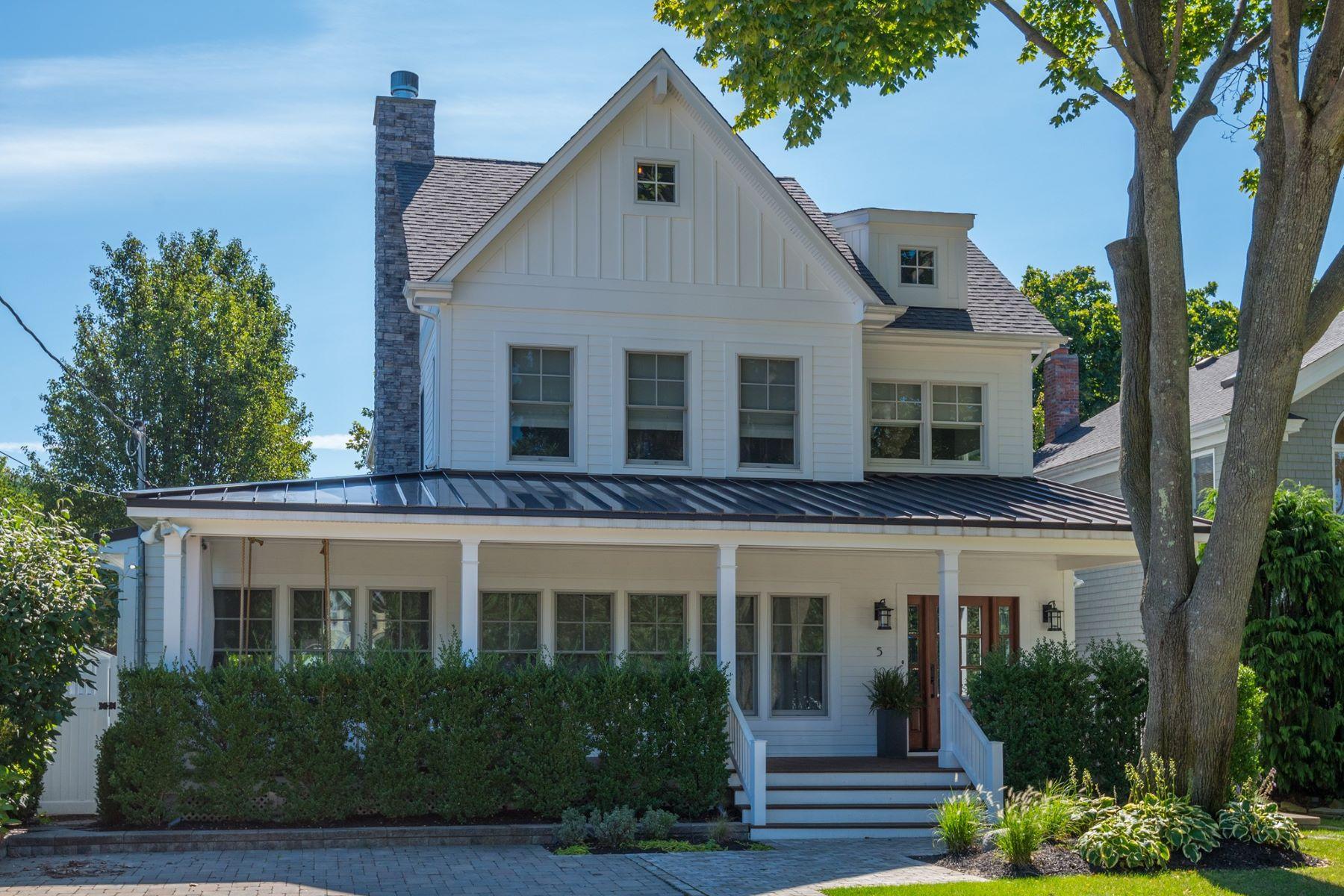 独户住宅 为 销售 在 5 Adams Ave , Bayville, NY 11709 5 Adams Ave, 贝维尔, 纽约州, 11709 美国