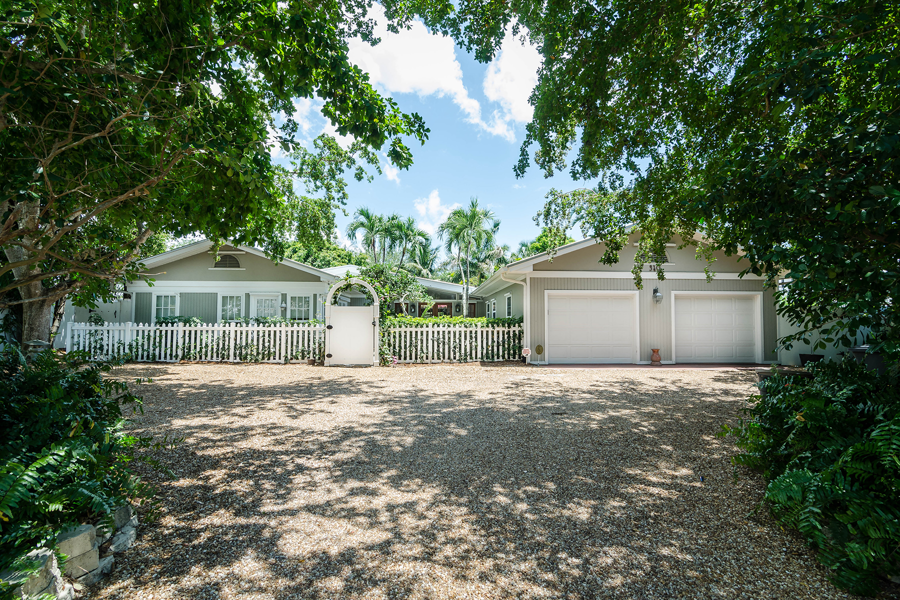 Single Family Home for Sale at OLDE NAPLES 340 7th Ave N, Naples, Florida 34102 United States
