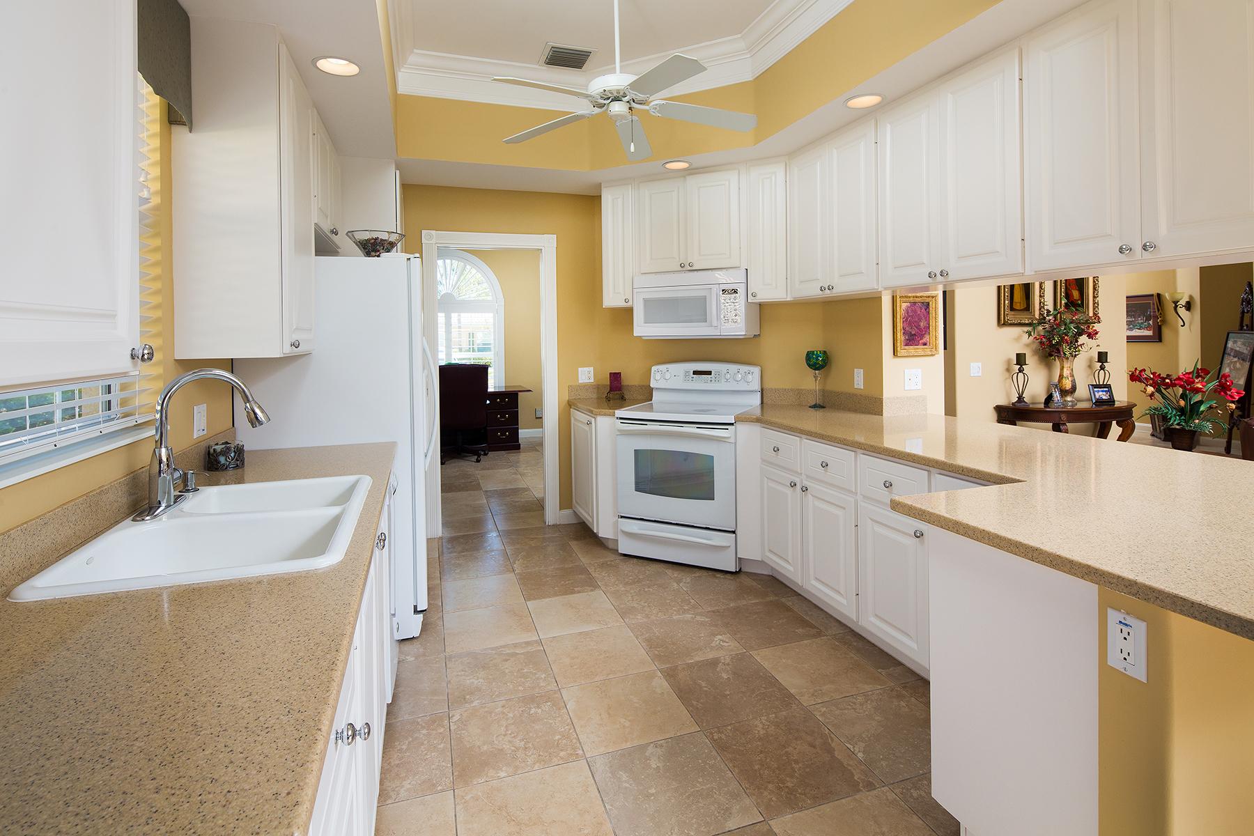 Additional photo for property listing at VILLAGE WALK OF BONITA SPRINGS 28628  Wahoo Dr,  Bonita Springs, Florida 34135 United States