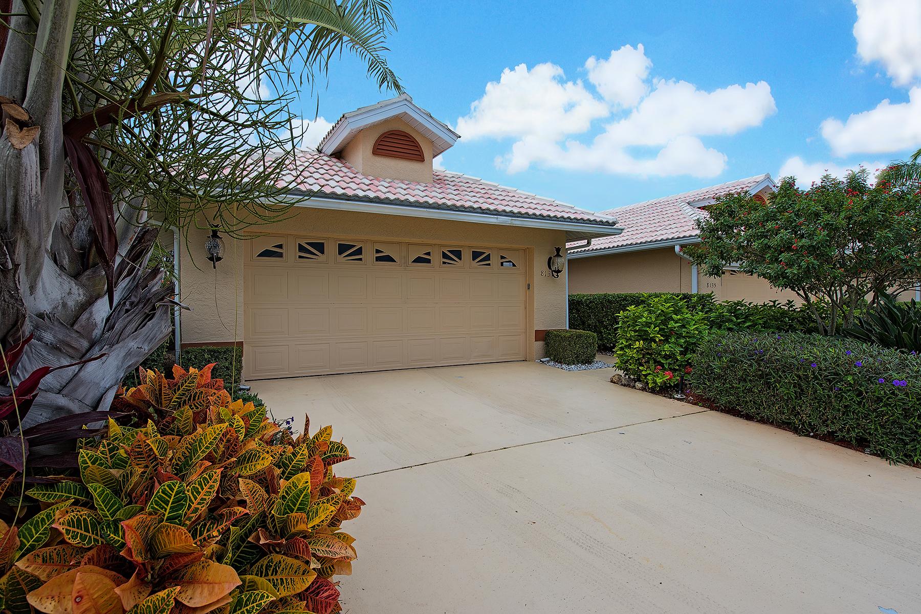 Stadthaus für Verkauf beim LELY COUNTRY CLUB - PALOMINO VILLAGE 8131 Palomino Dr Naples, Florida, 34113 Vereinigte Staaten