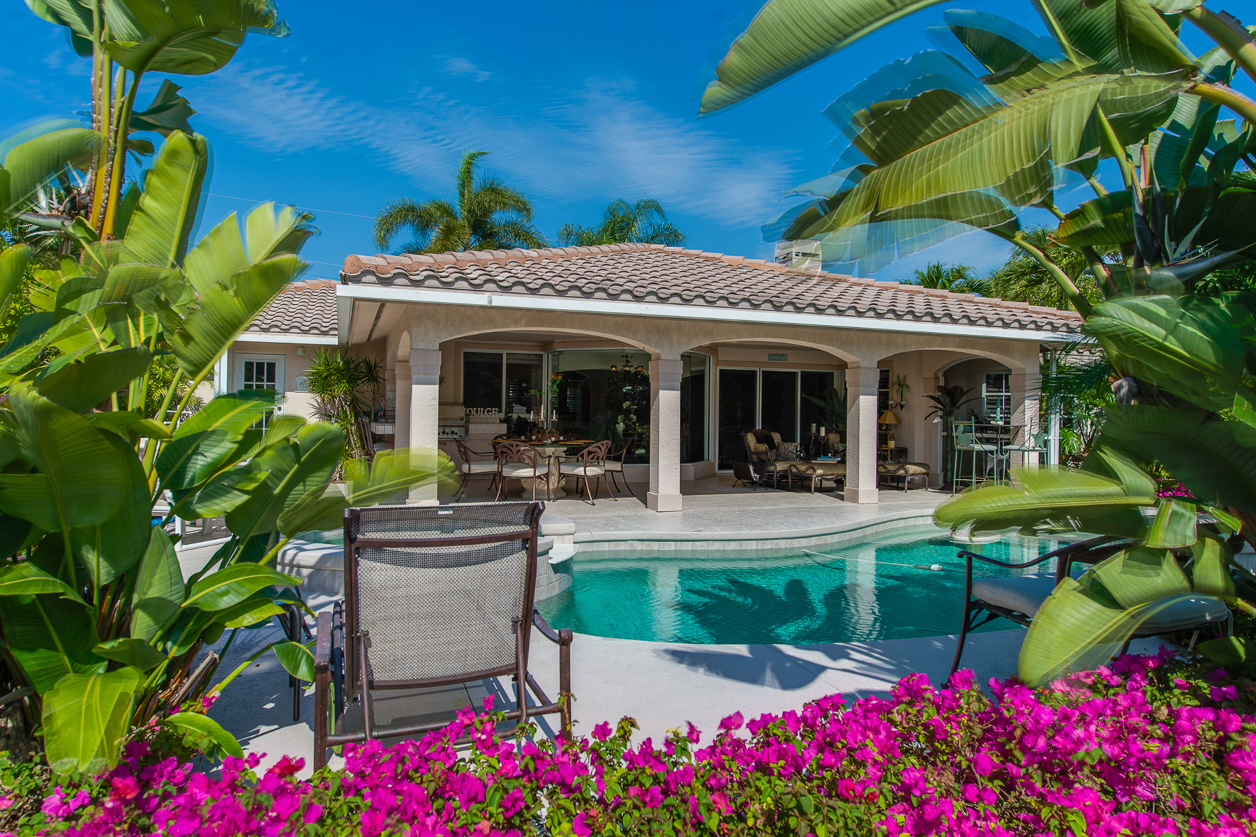 Maison unifamiliale pour l Vente à SANIBEL 932 Whelk Dr Sanibel, Florida, 33957 États-Unis