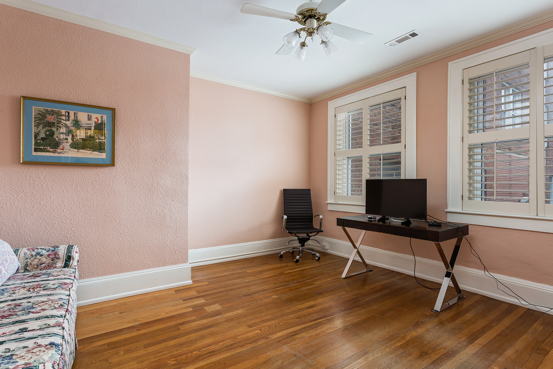 Additional photo for property listing at HENDERSONVILLE 411 N Main St 409,  Hendersonville, North Carolina 28792 United States