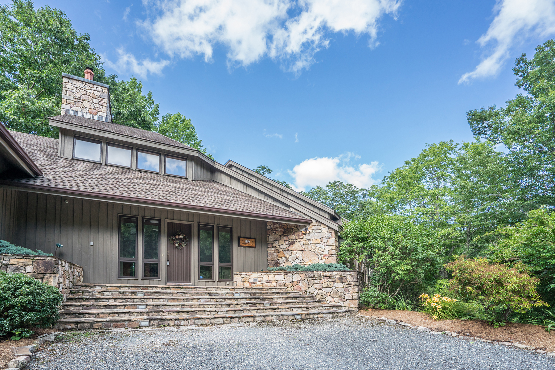 Additional photo for property listing at VALLE CRUCIS 910  Dutch Creek Rd,  Banner Elk, North Carolina 28604 United States