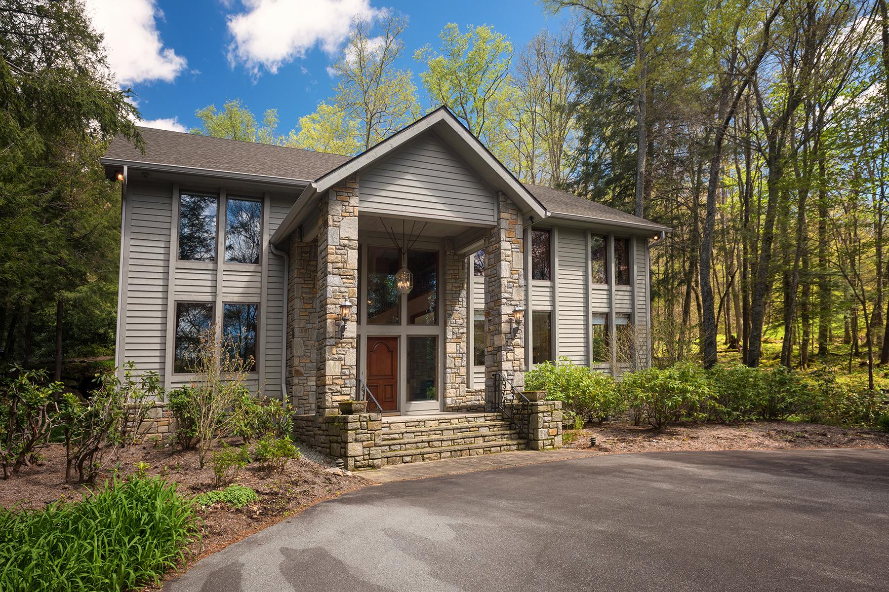 一戸建て のために 売買 アット LINVILLE - GRANDFATHER GOLF AND COUNTRY CLUB 550 Bridle Trail Rd Linville, ノースカロライナ, 28646 アメリカ合衆国