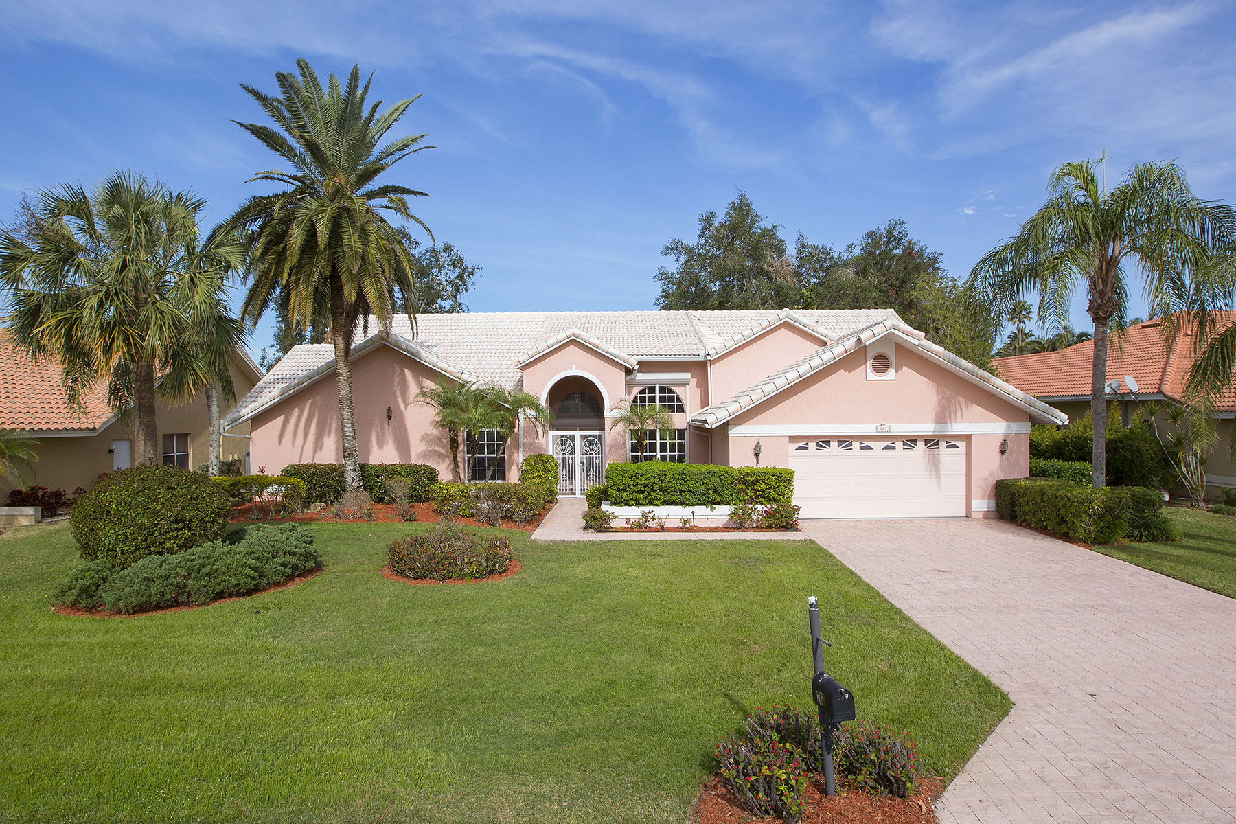 Single Family Home for Sale at Naples 263 Henley Dr, Naples, Florida, 34104 United States
