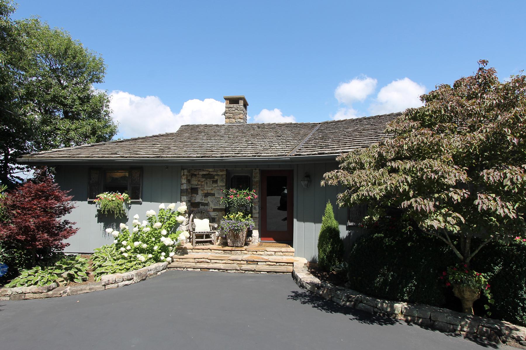 واحد منزل الأسرة للـ Sale في BLOWING ROCK 867 Green Hill Rd, Blowing Rock, North Carolina, 28605 United States
