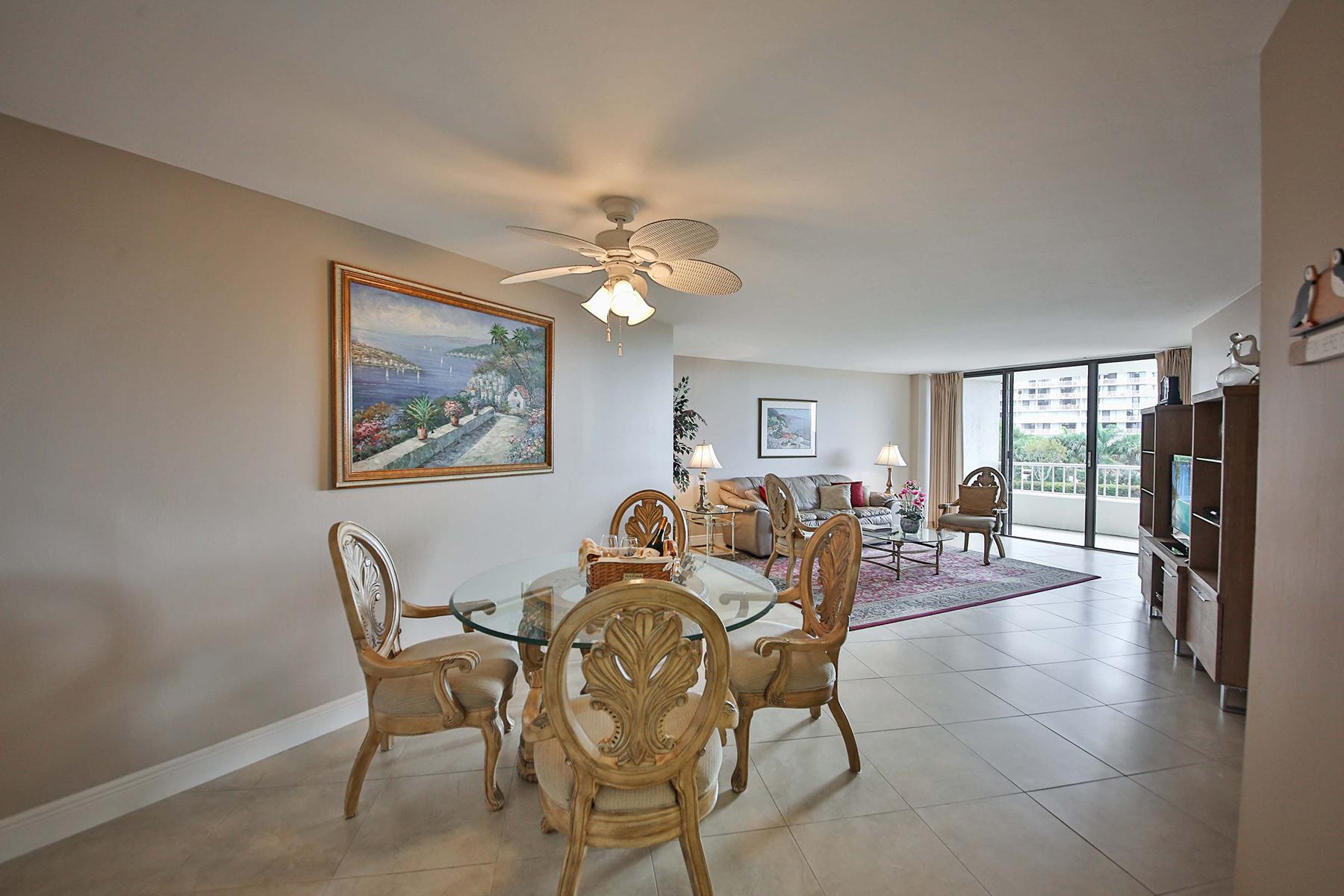 Condominio por un Venta en MARCO ISLAND 380 Seaview Ct 207 Marco Island, Florida, 34145 Estados Unidos