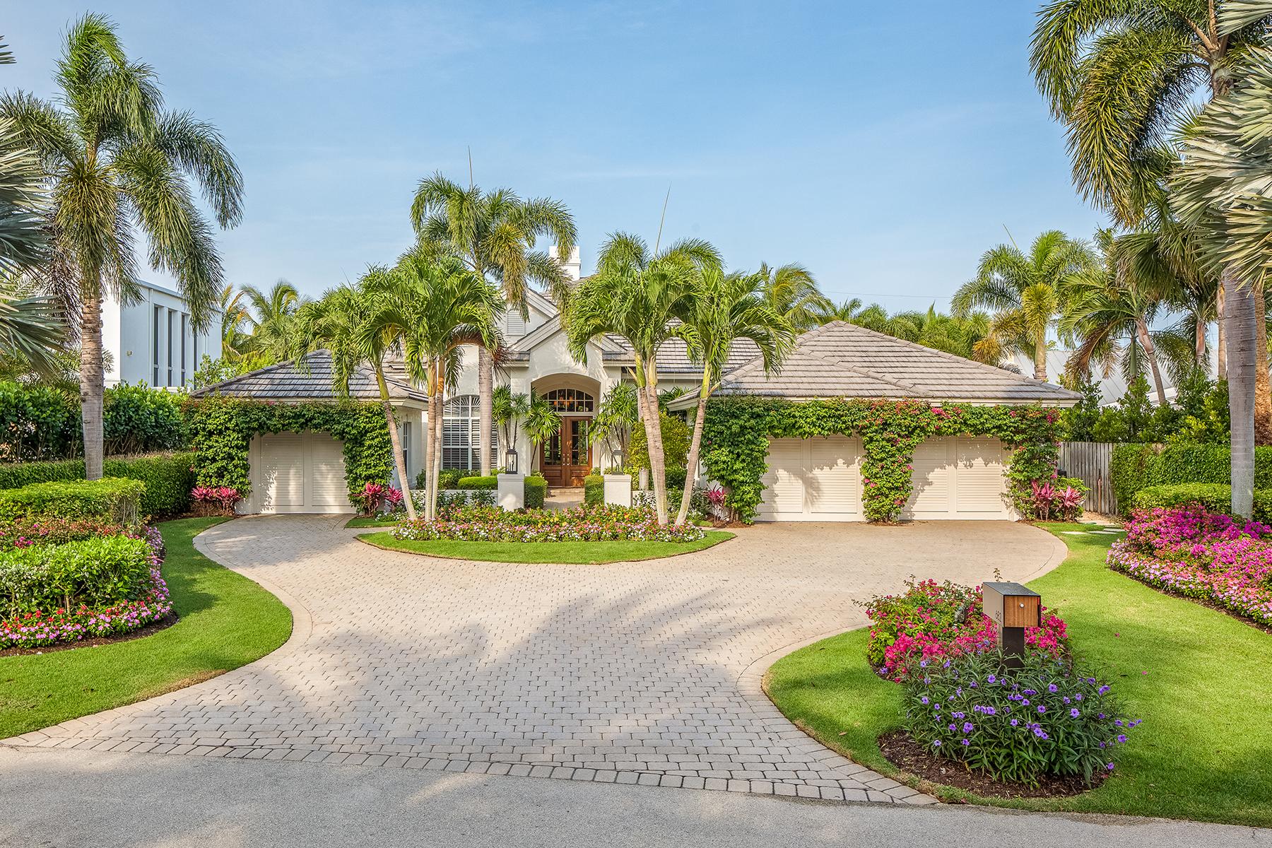 獨棟家庭住宅 為 出售 在 OLDE NAPLES 682 Bougainvillea Rd Naples, 佛羅里達州, 34102 美國