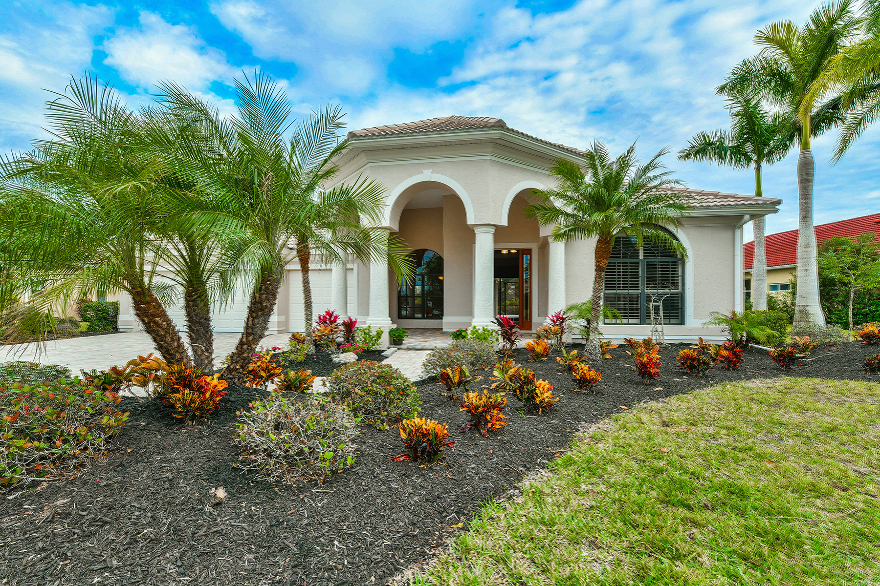 Villa per Vendita alle ore WOODLANDS AT RIVENDELL 986 Scherer Way, Osprey, Florida, 34229 Stati Uniti