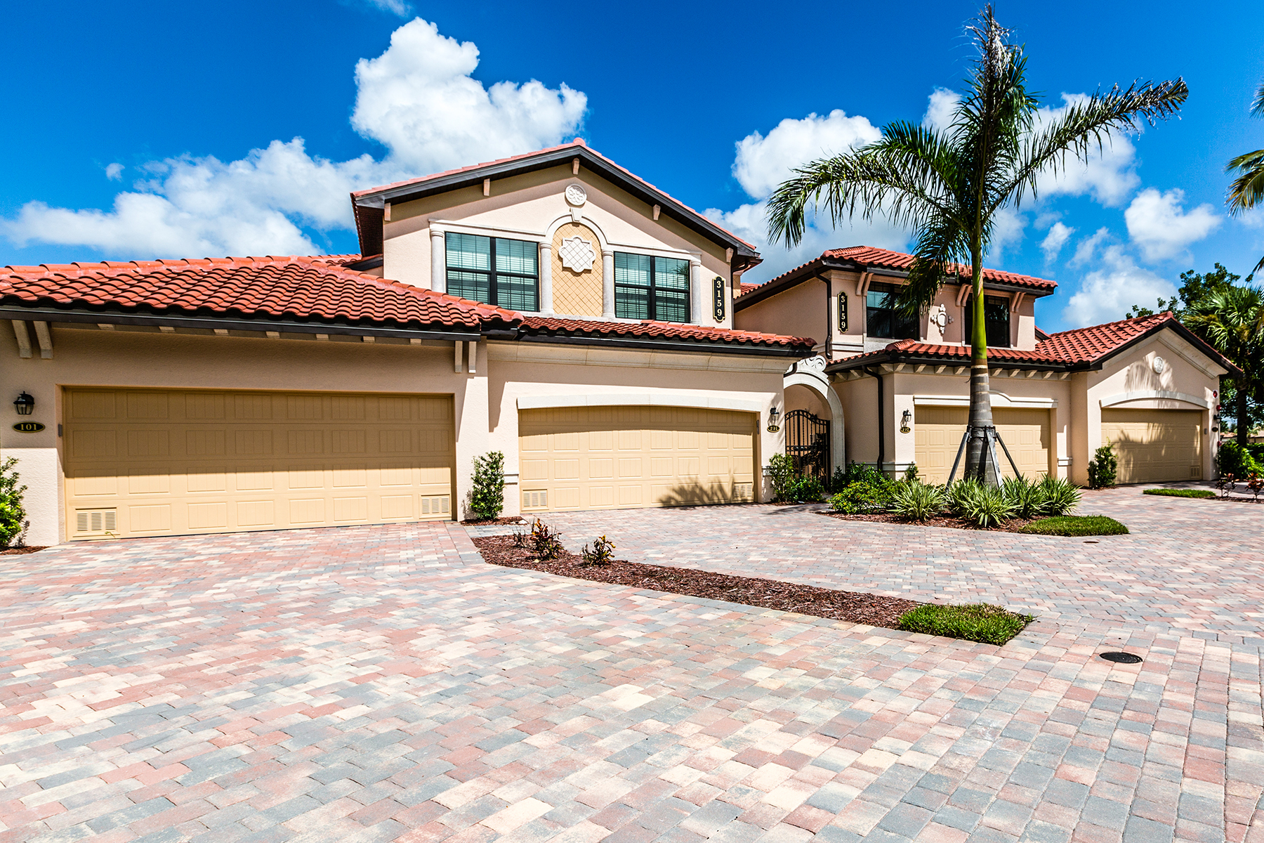 Кондоминиум для того Продажа на Fiddlers Creek 3159 Serena Ln 202 Naples, Флорида, 34114 Соединенные Штаты
