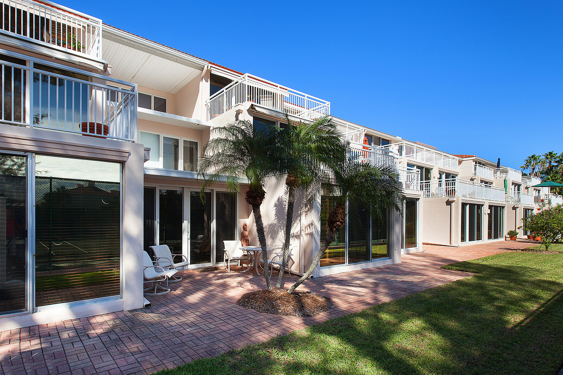 Condominium for Sale at CLUB LONGBOAT BEACH AND TENNIS 5055 Gulf Of Mexico Dr 415, Longboat Key, Florida, 34228 United States