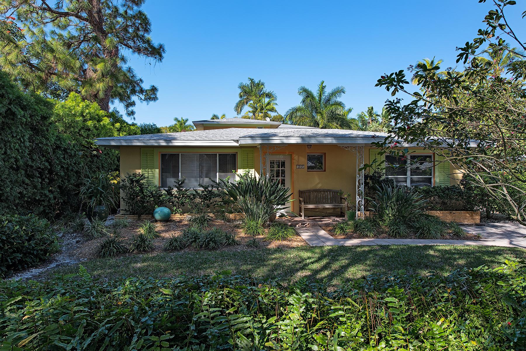 Nhà ở một gia đình vì Bán tại OLDE NAPLES 345 1st Ave N Naples, Florida, 34102 Hoa Kỳ