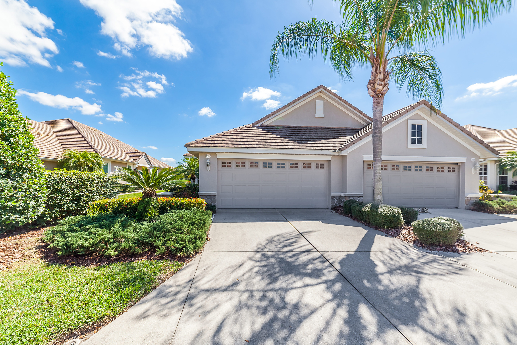 Single Family Home for Sale at LAKEWOOD RANCH COUNTRY CLUB 7022 Woodmore Terr Lakewood Ranch, Florida, 34202 United States