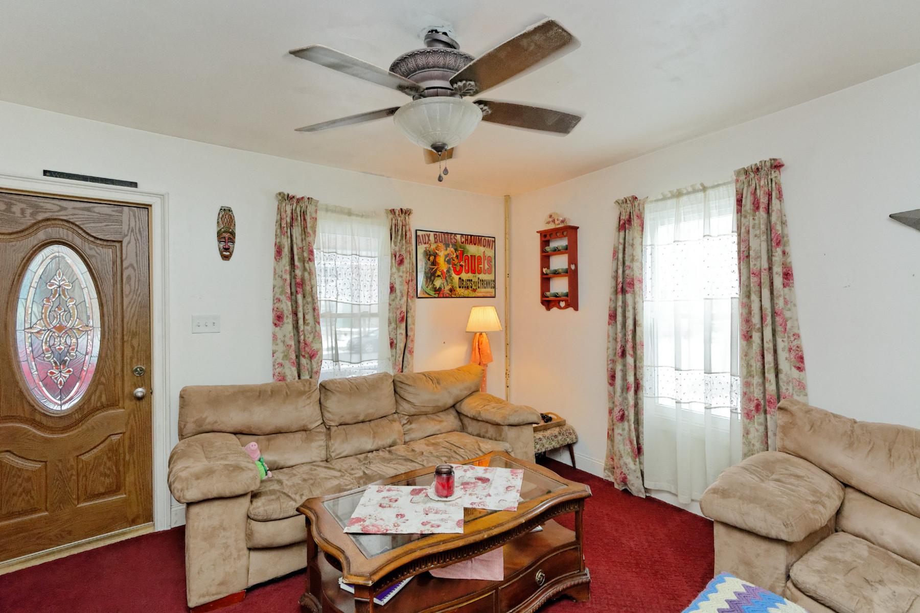다가구 주택 용 매매 에 Castleton Duplex 34-36 Campbell Av Castleton, 뉴욕 12033 미국