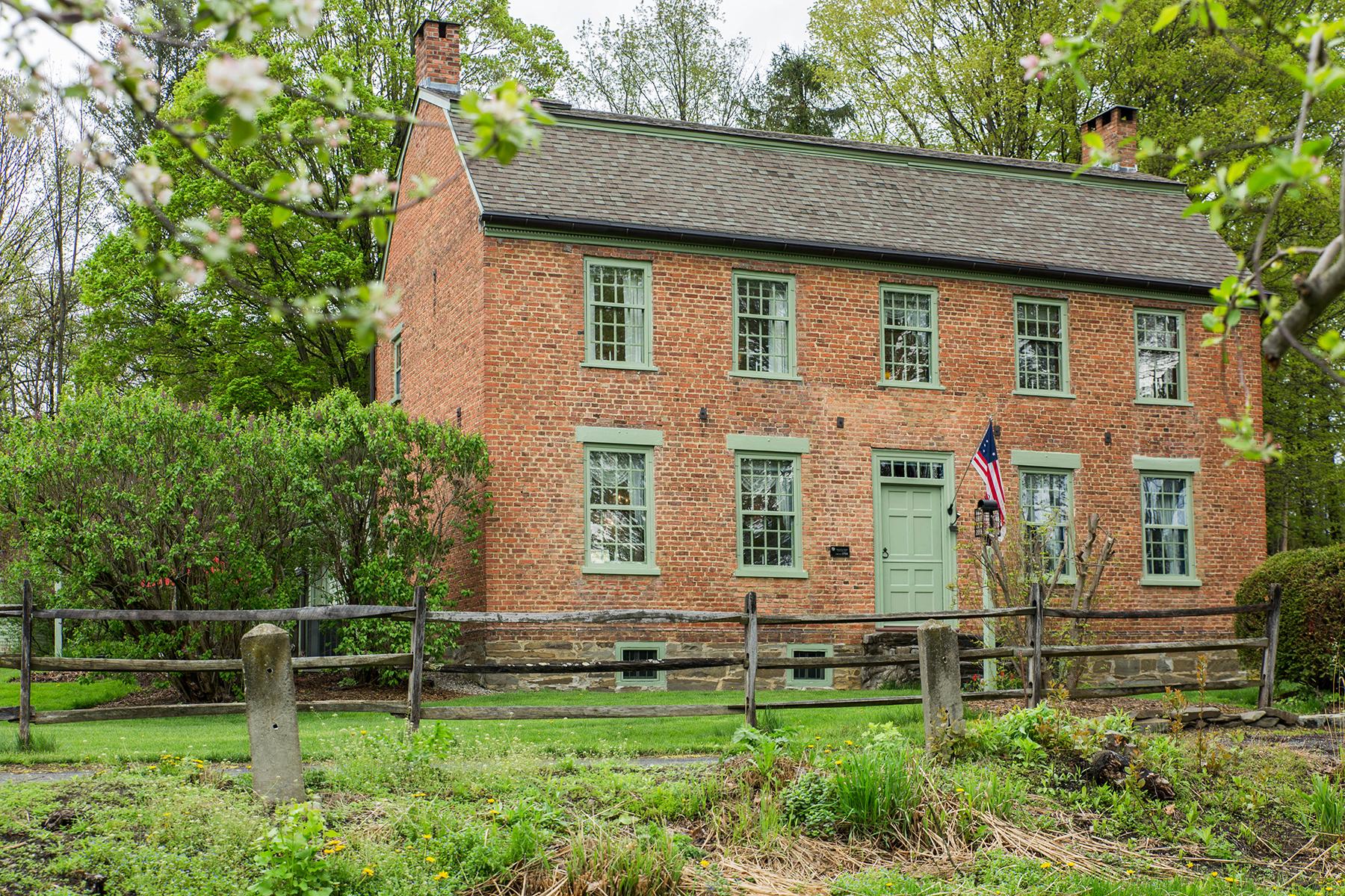 Casa Unifamiliar por un Venta en The Delamont-Wemple Farm 322 Wemple Rd Rotterdam, Nueva York 12306 Estados Unidos