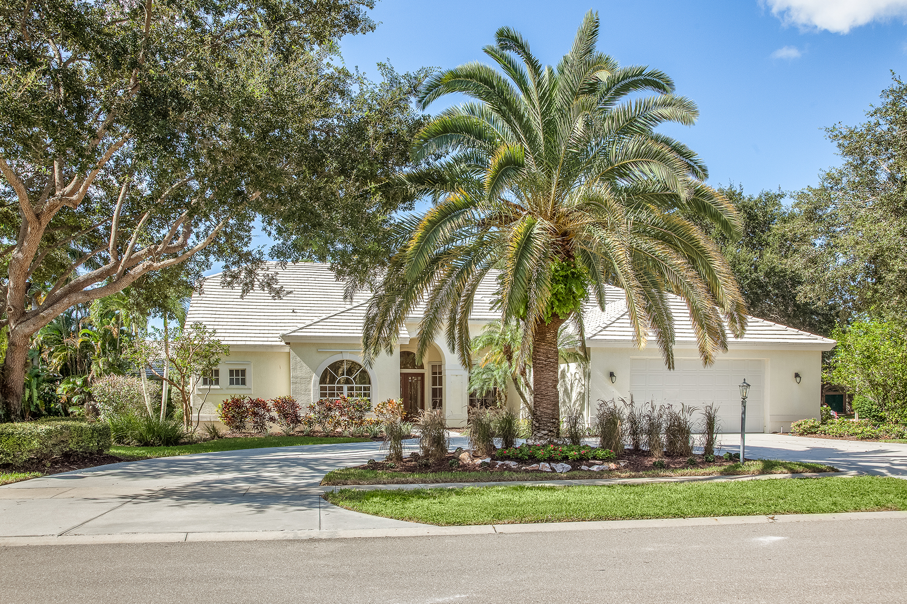 Single Family Home for Sale at MONTEREY 2119 Mission Dr Naples, Florida, 34109 United States