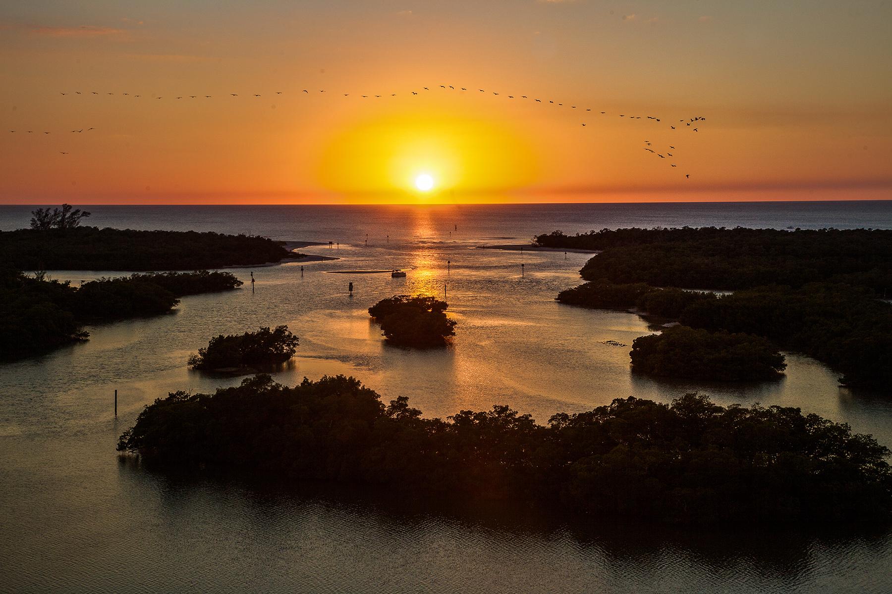 콘도미니엄 용 매매 에 PELICAN ISLE 445 Dockside Dr B-902 Naples, 플로리다, 34110 미국