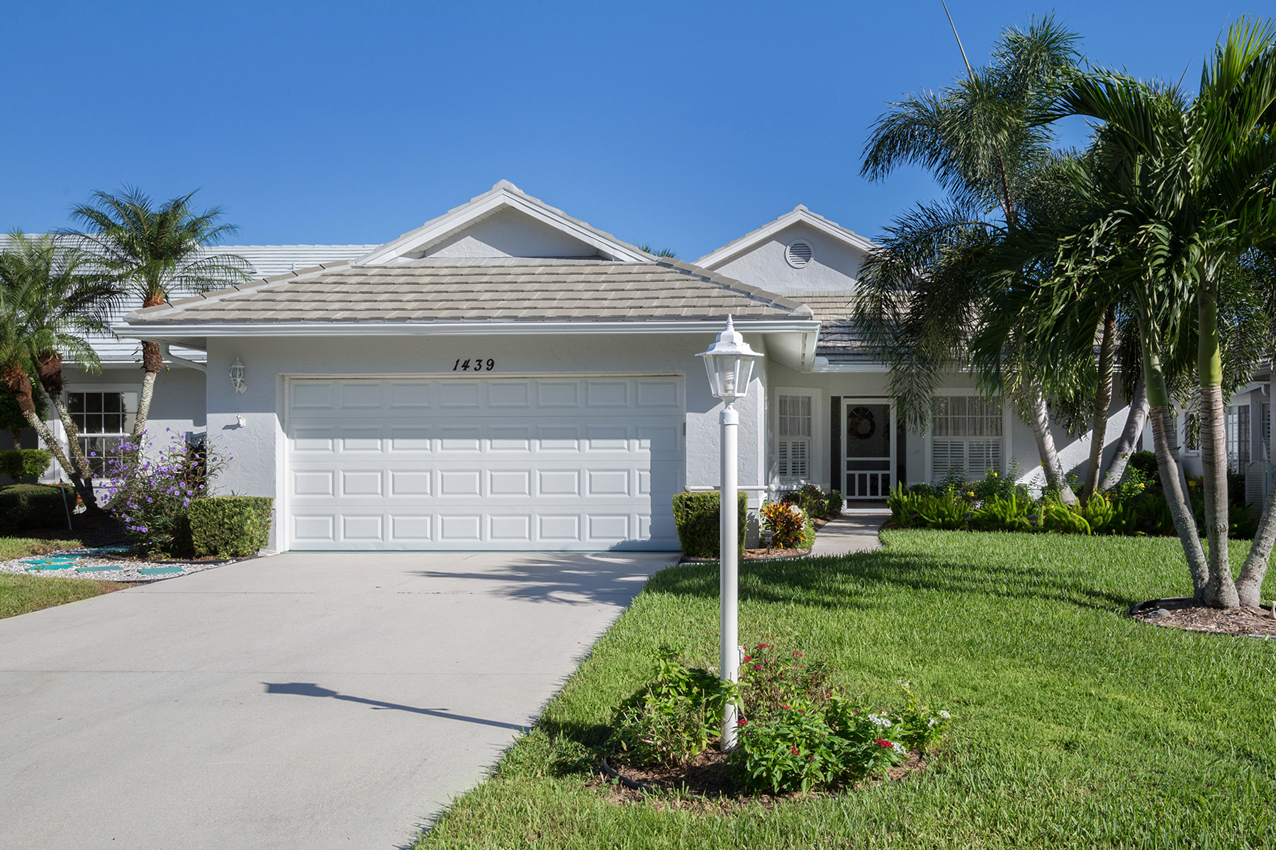 Single Family Home for Sale at WATERFORD 1439 Colony Pl, Venice, Florida 34292 United States
