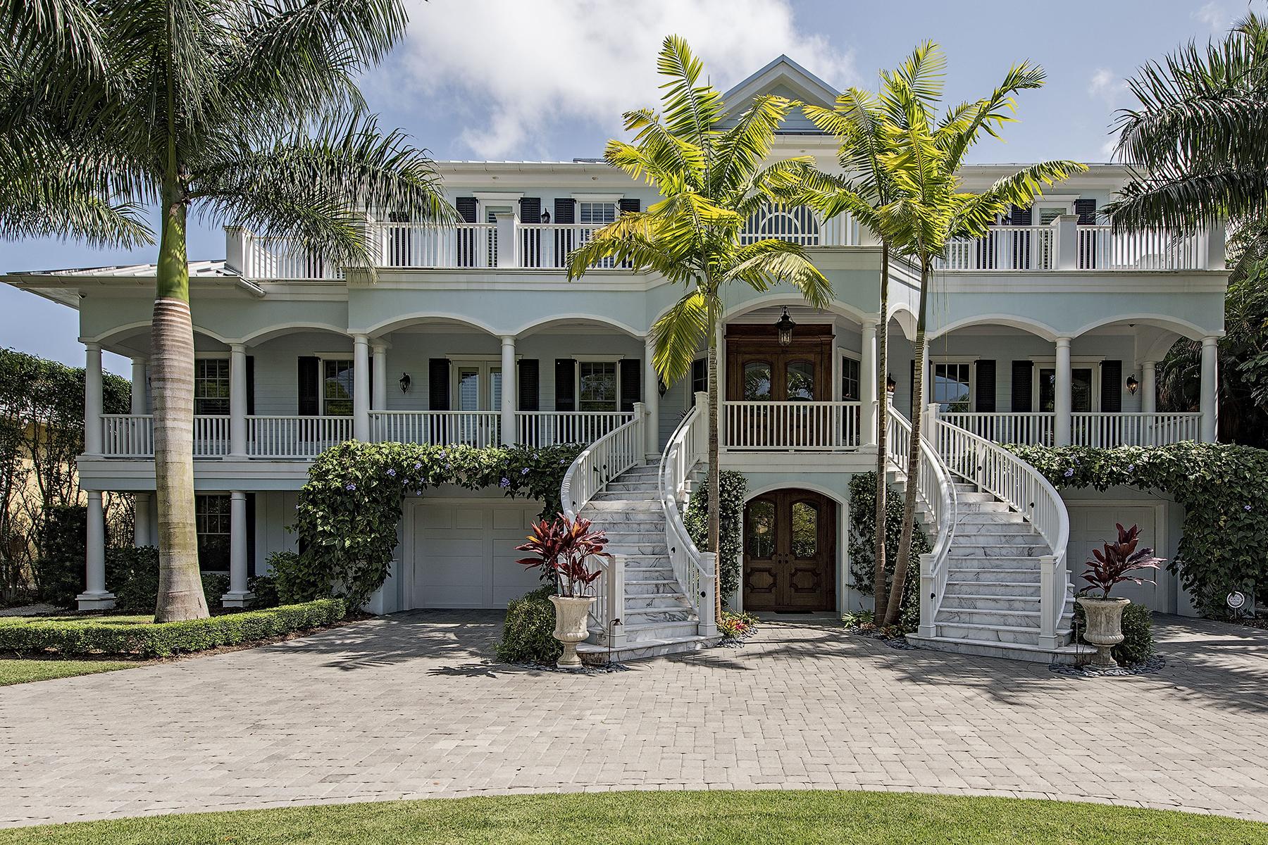 独户住宅 为 出租 在 OLD NAPLES 140 3rd Ave S 那不勒斯, 佛罗里达州 34102 美国