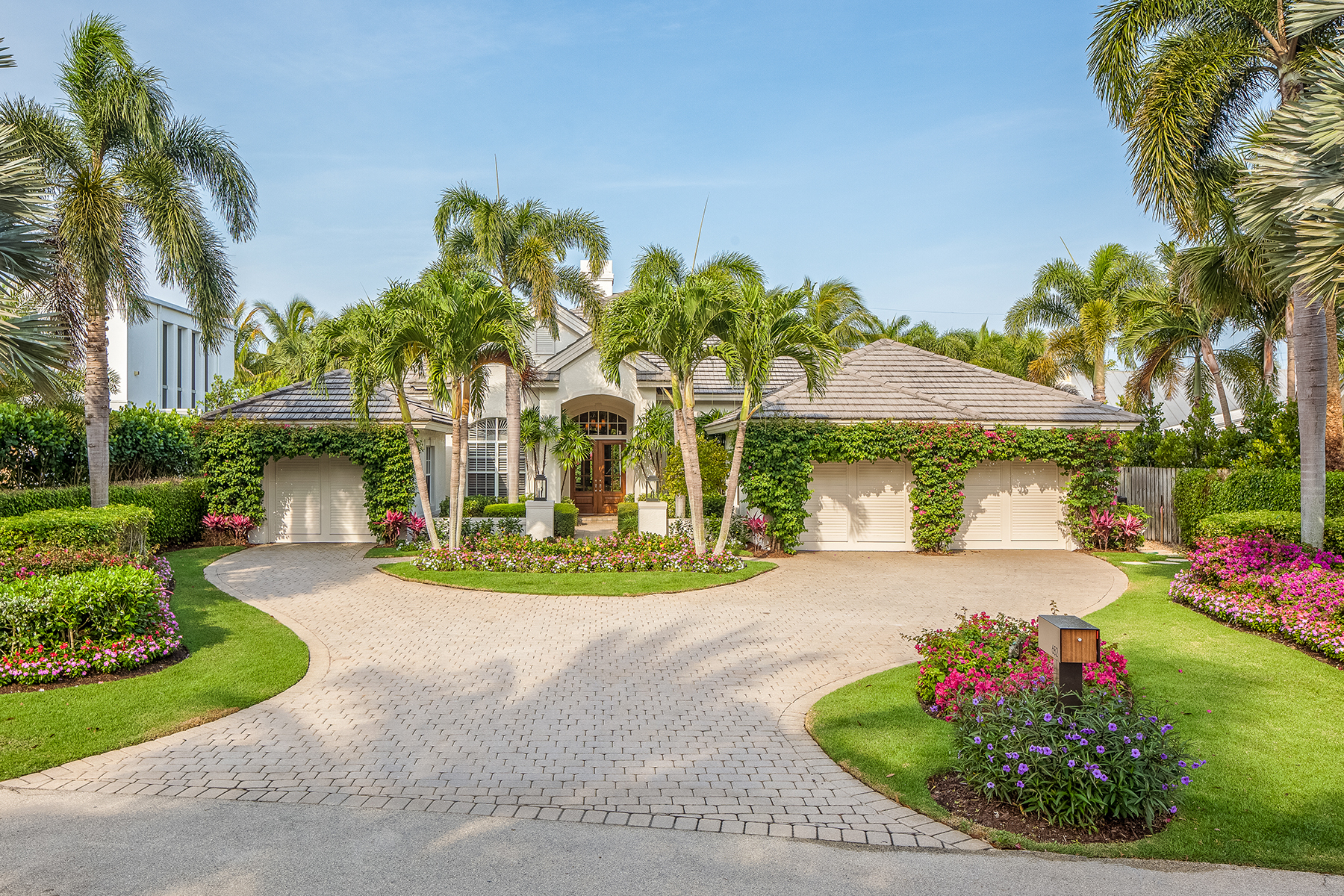 Single Family Home for Sale at OLDE NAPLES 682 Bougainvillea Rd, Naples, Florida 34102 United States