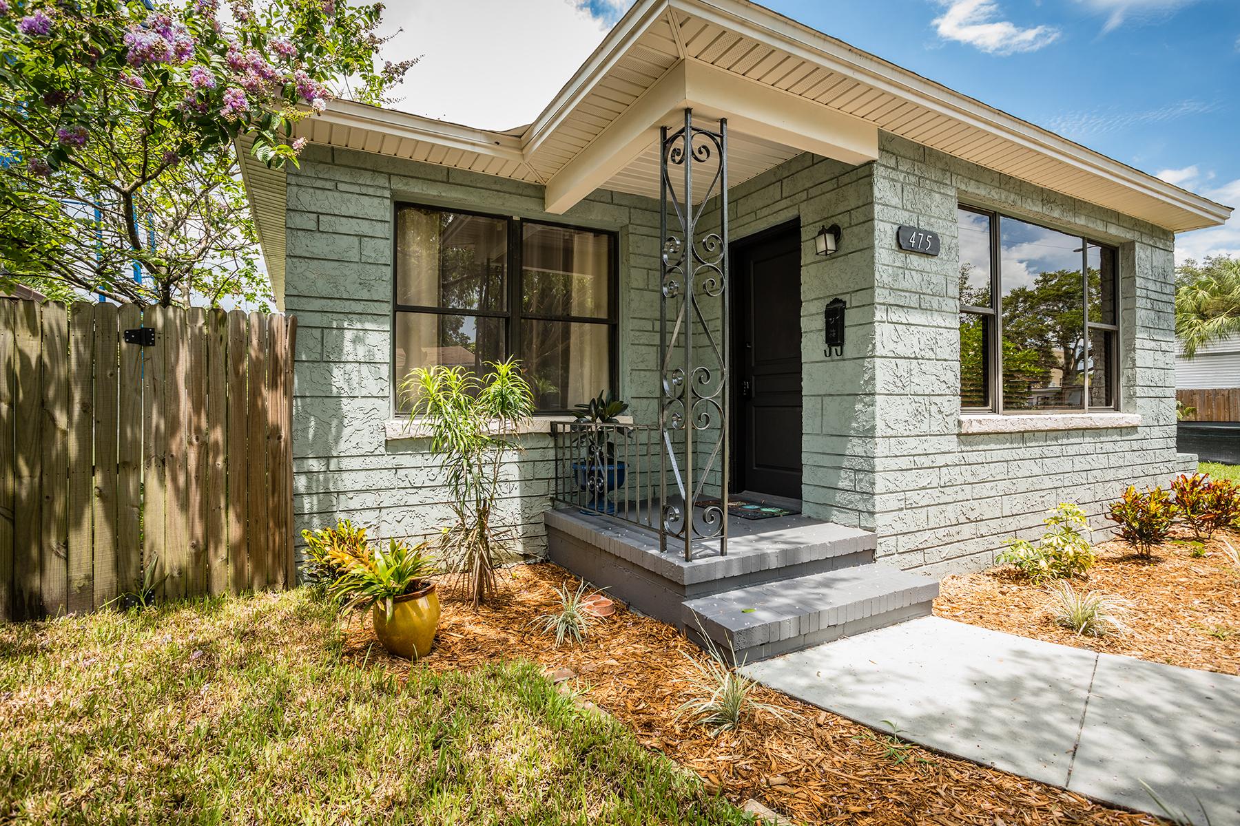 Частный односемейный дом для того Продажа на CRESCENT LAKE 475 12th Ave N St. Petersburg, Флорида, 33701 Соединенные Штаты