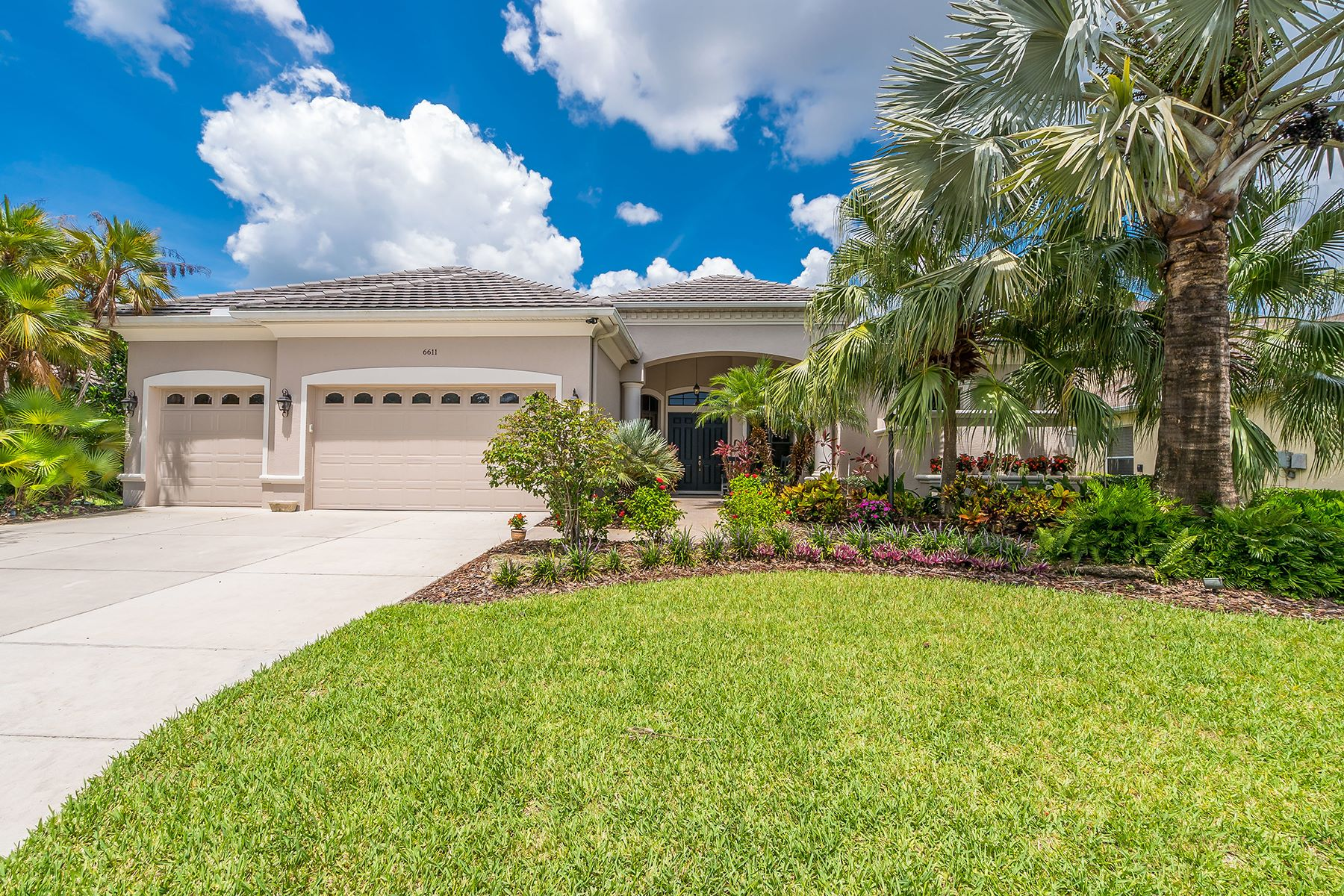 Single Family Home for Sale at GREENBROOK VILLAGE 6611 Coopers Hawk Ct, Lakewood Ranch, Florida 34202 United States